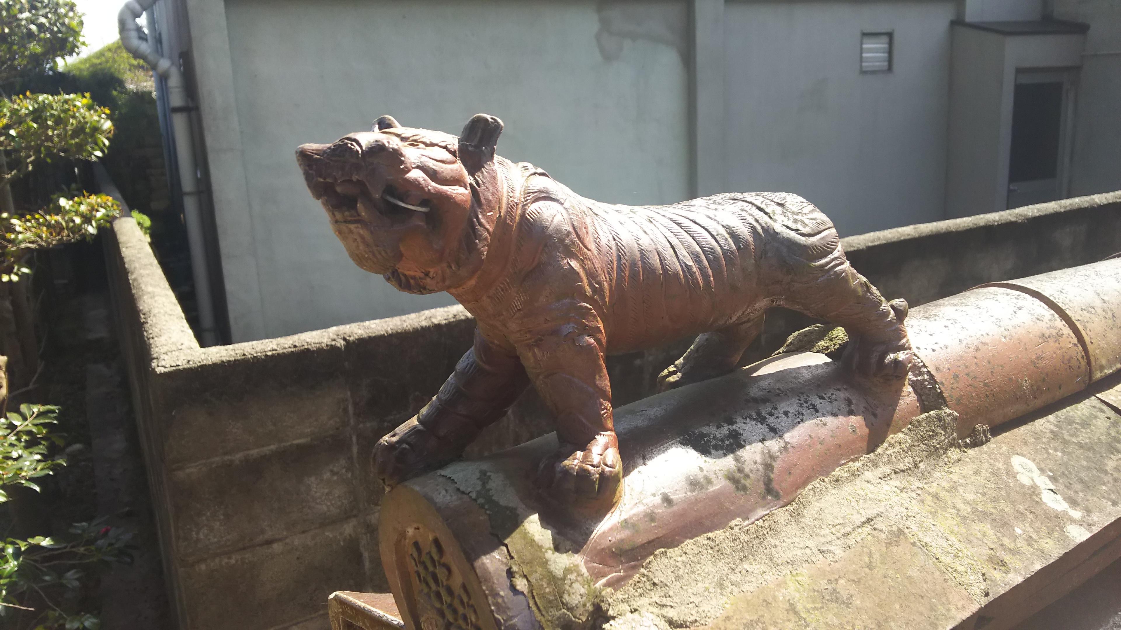 天津神社の芸術(岡山県伊部駅)