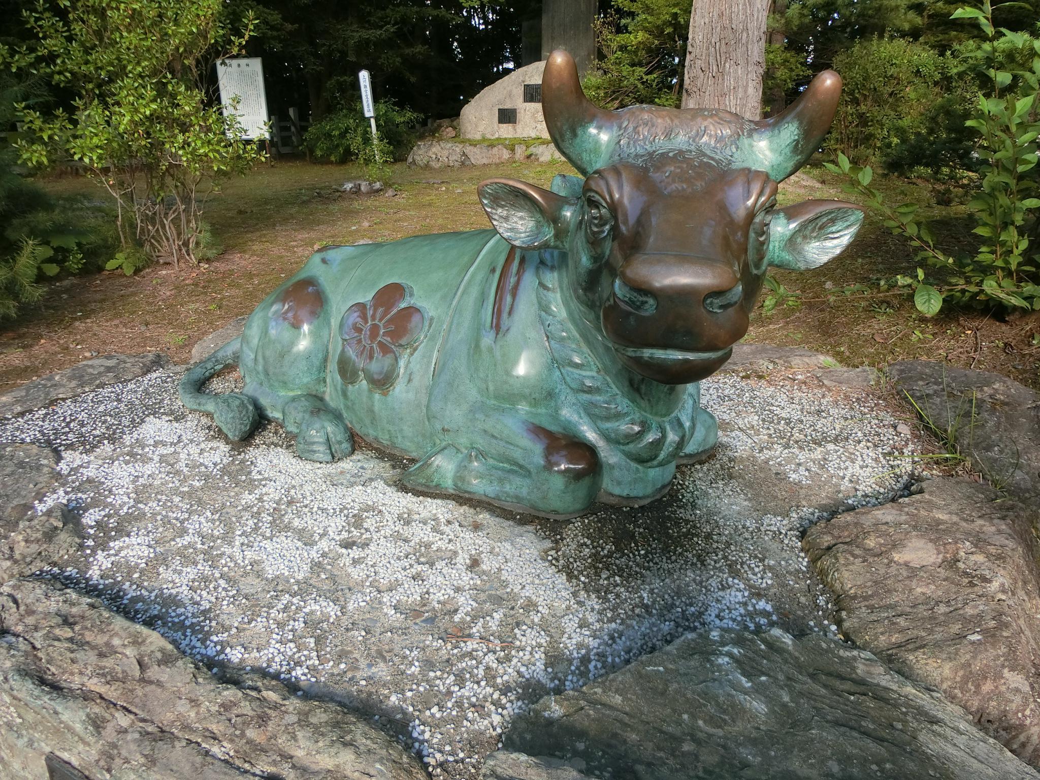 上川神社の像