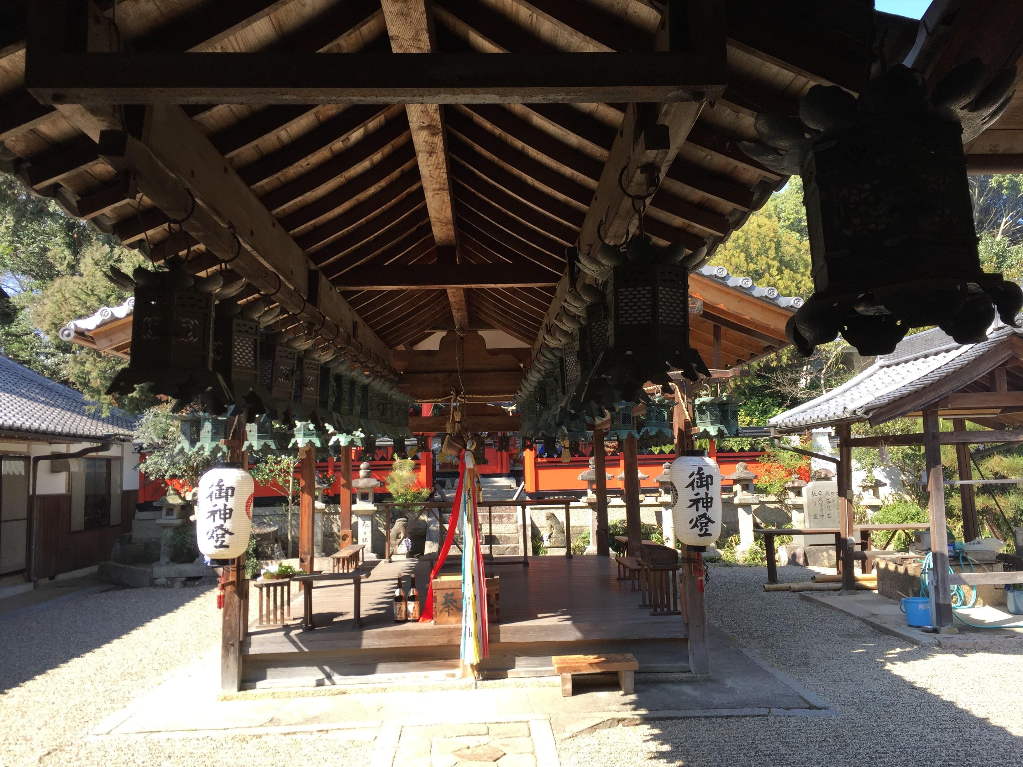 奈良豆比古神社の建物その他