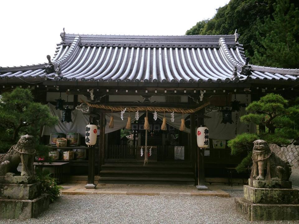 玉祖神社の本殿