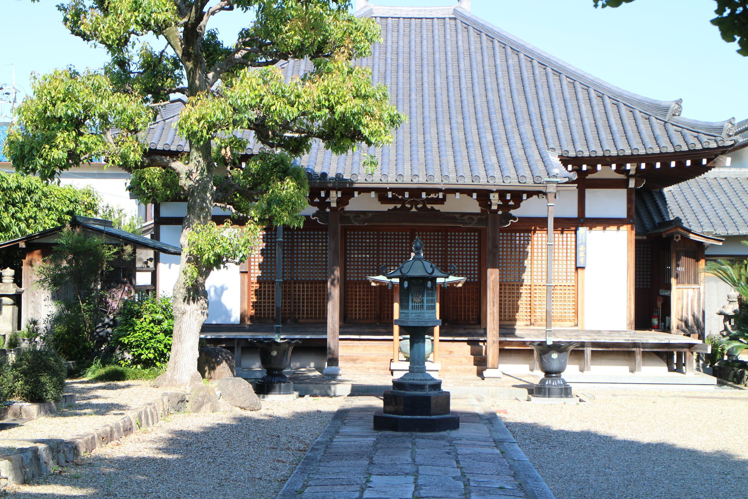 西琳寺の本殿