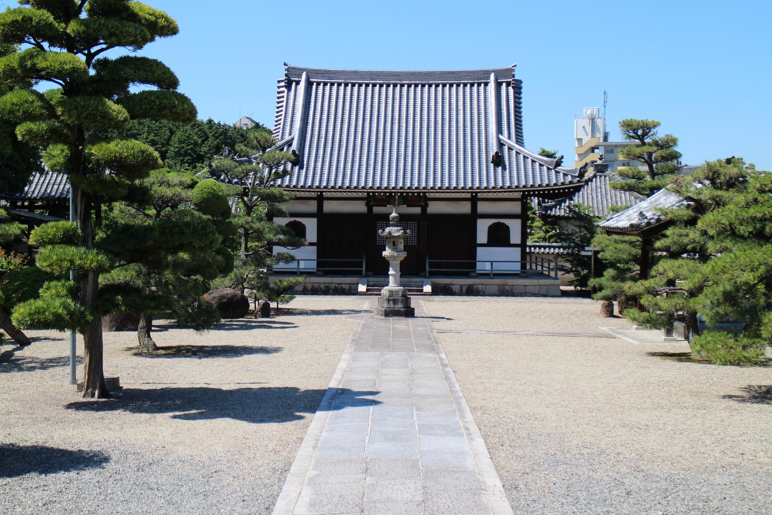 野中寺の本殿