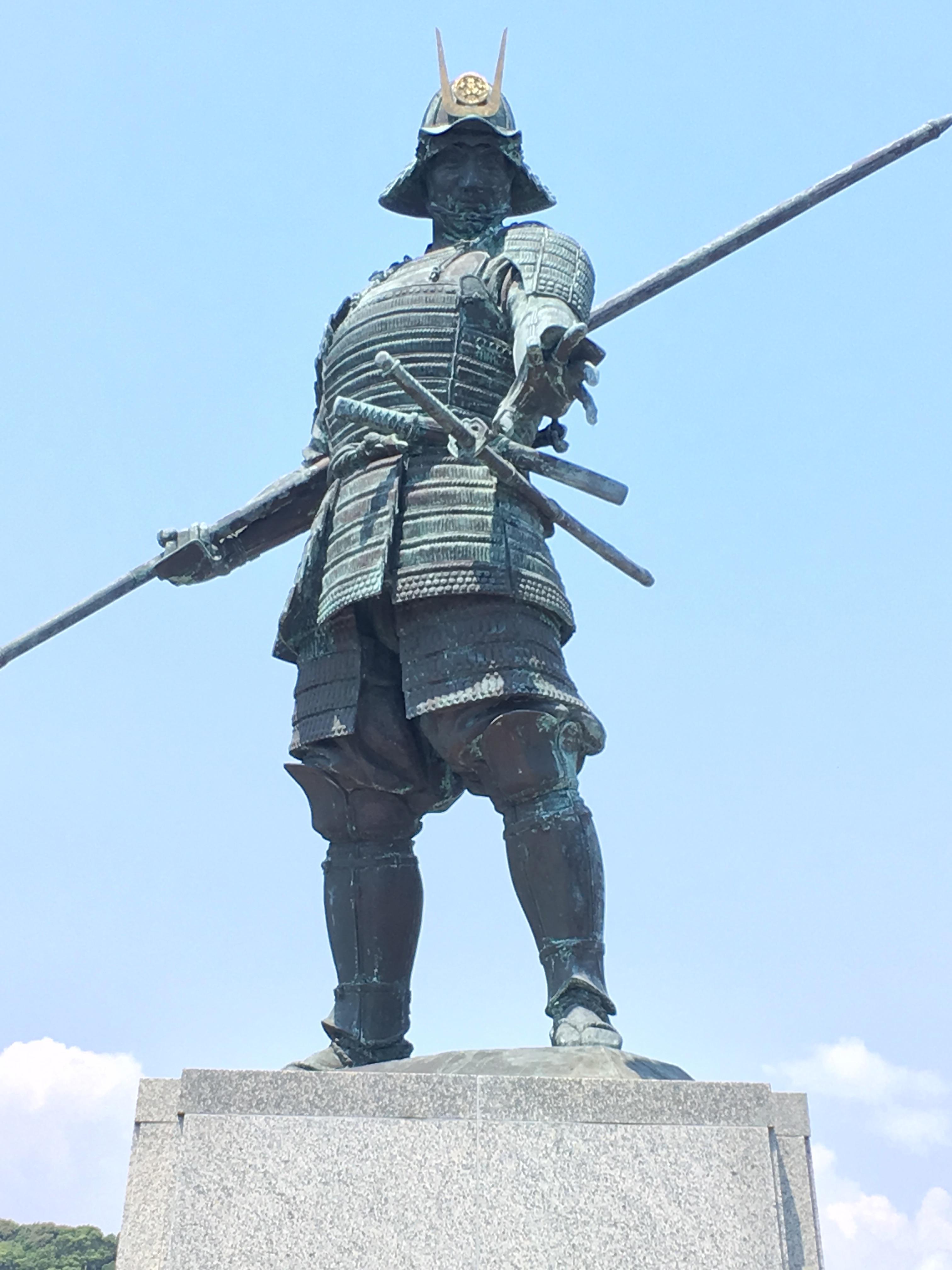 若宮八幡宮の像
