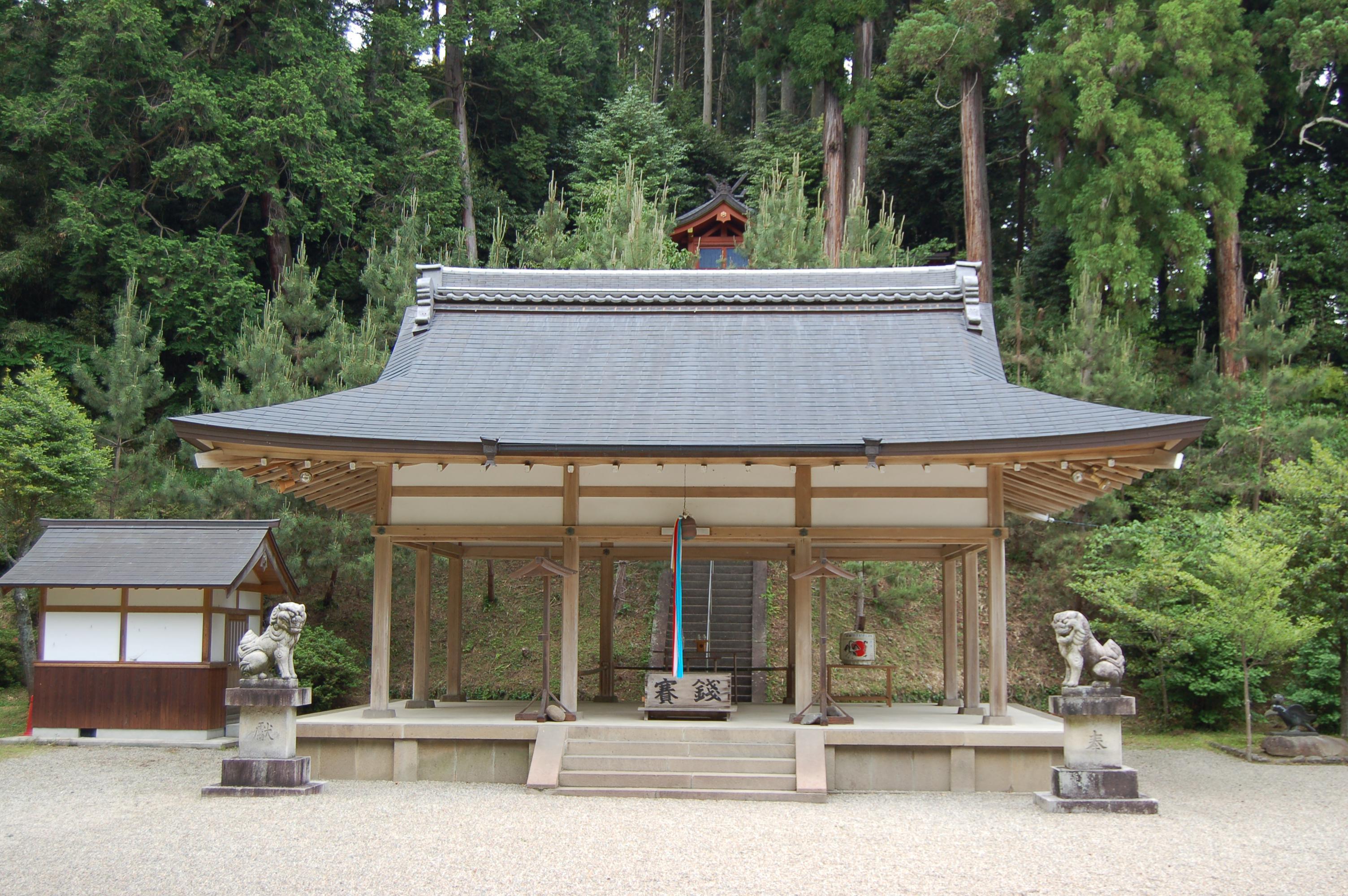 八咫烏神社の境内・文化財