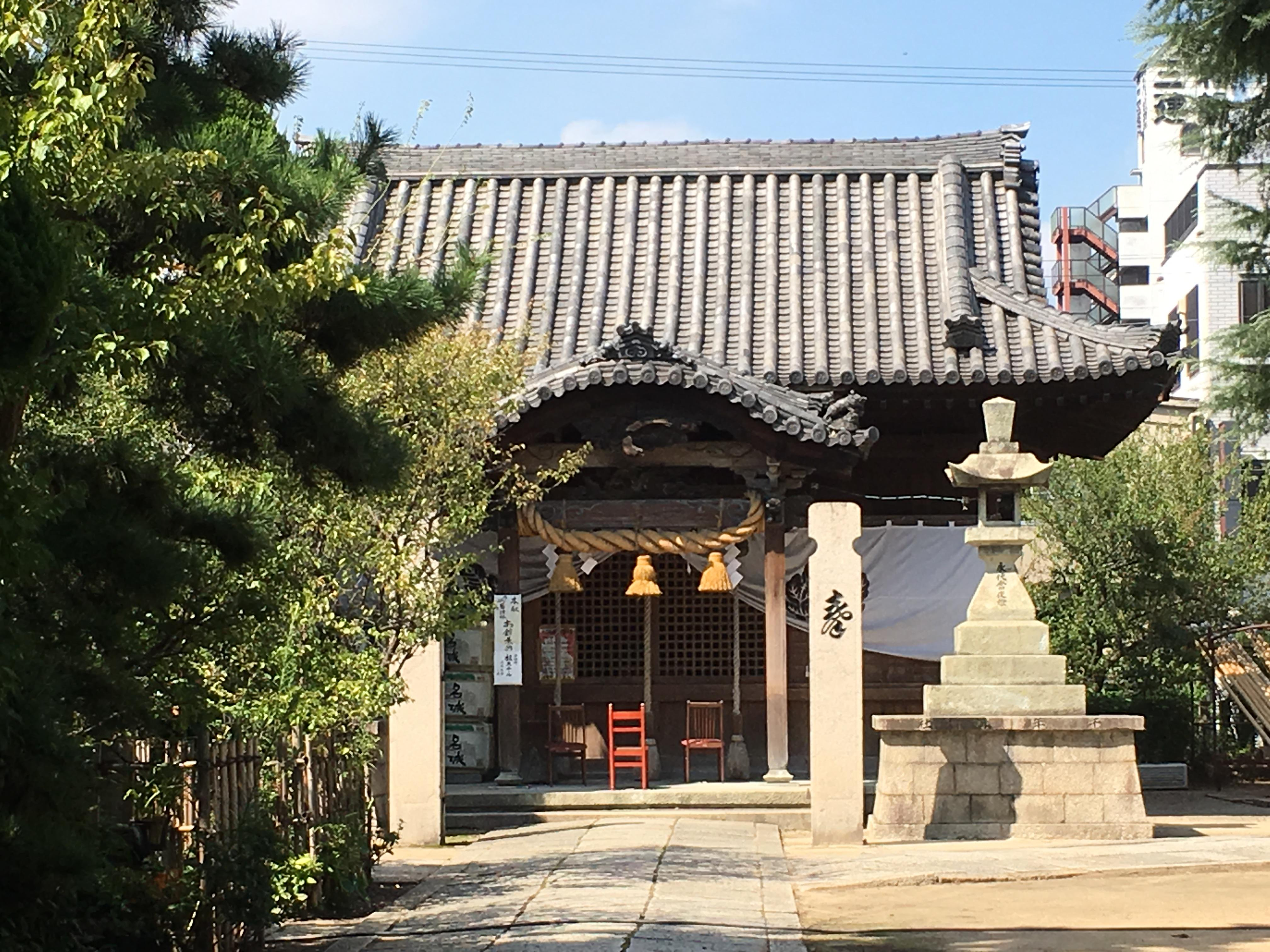 十二所神社の山門