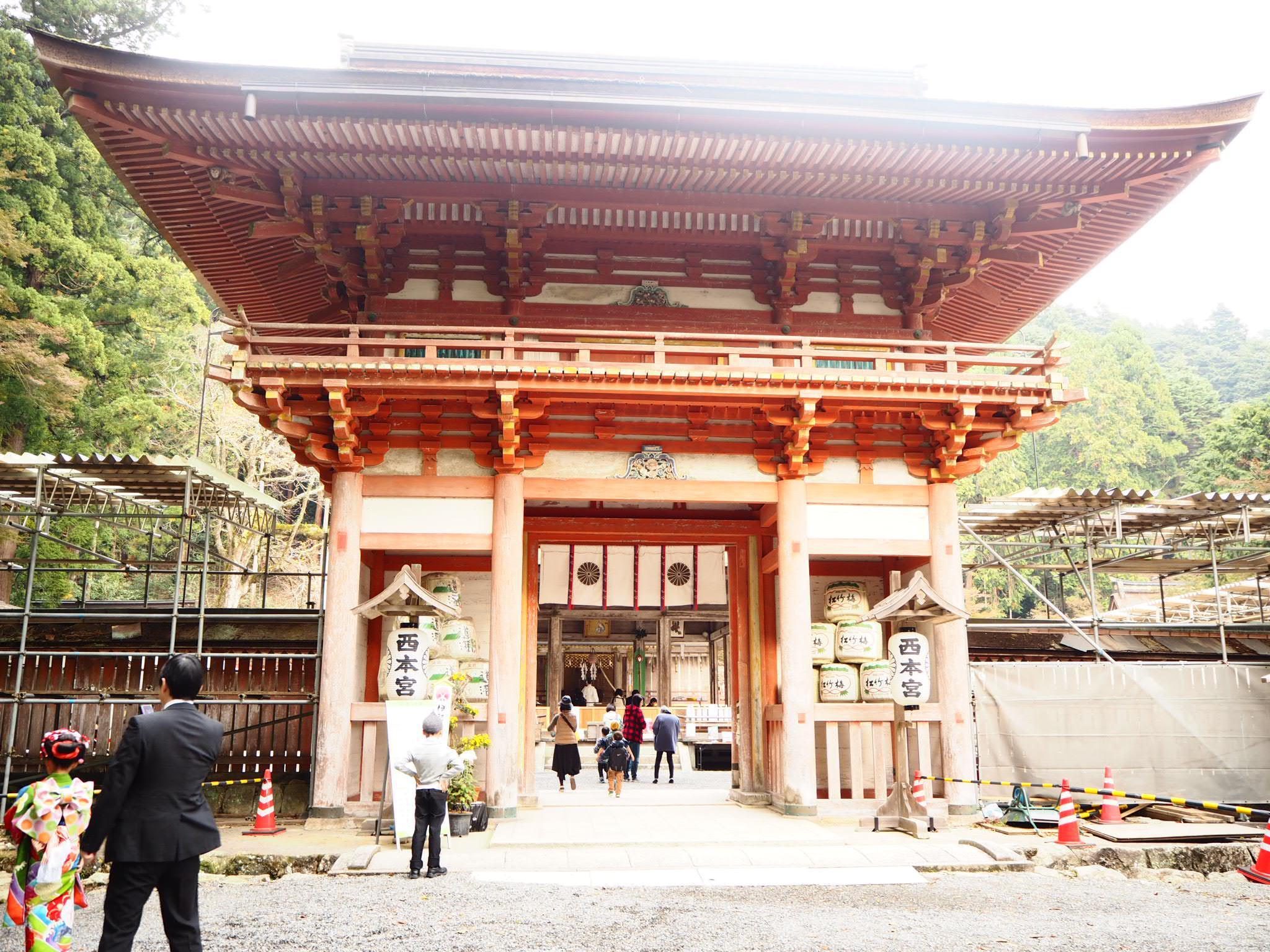 日吉大社の山門
