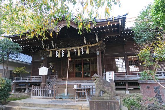 白山神社の本殿