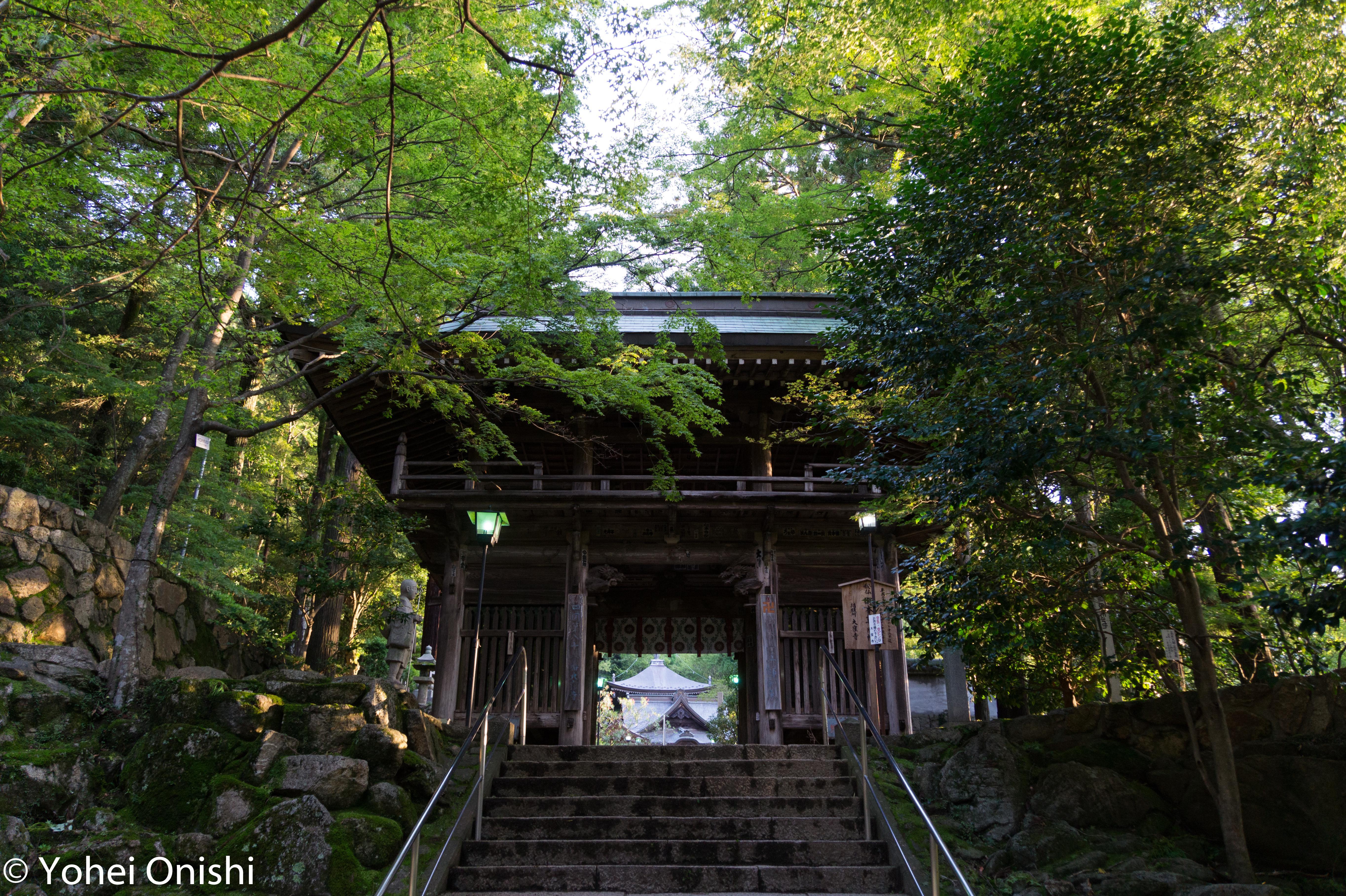 大窪寺の山門