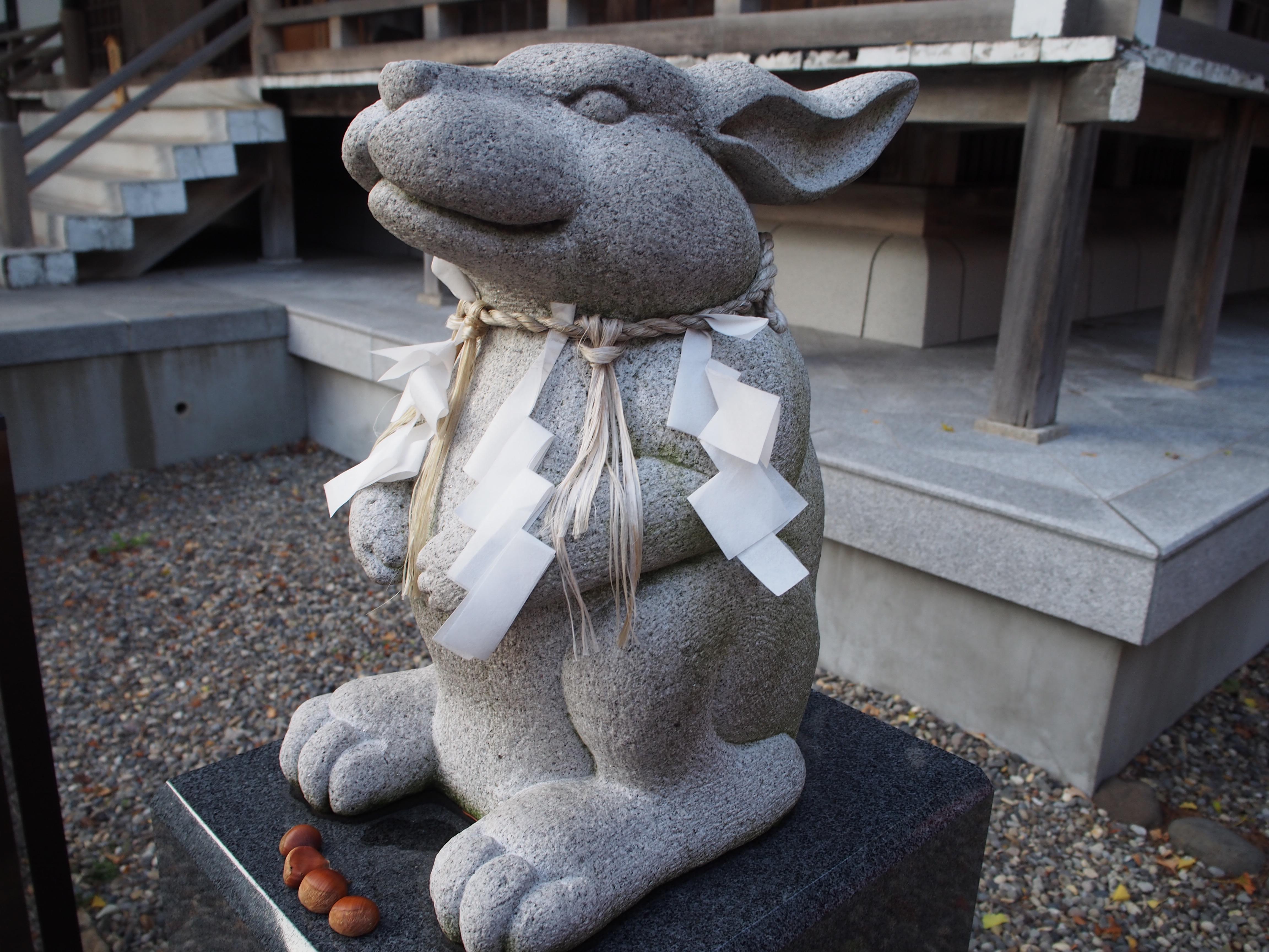 湯倉神社の狛犬