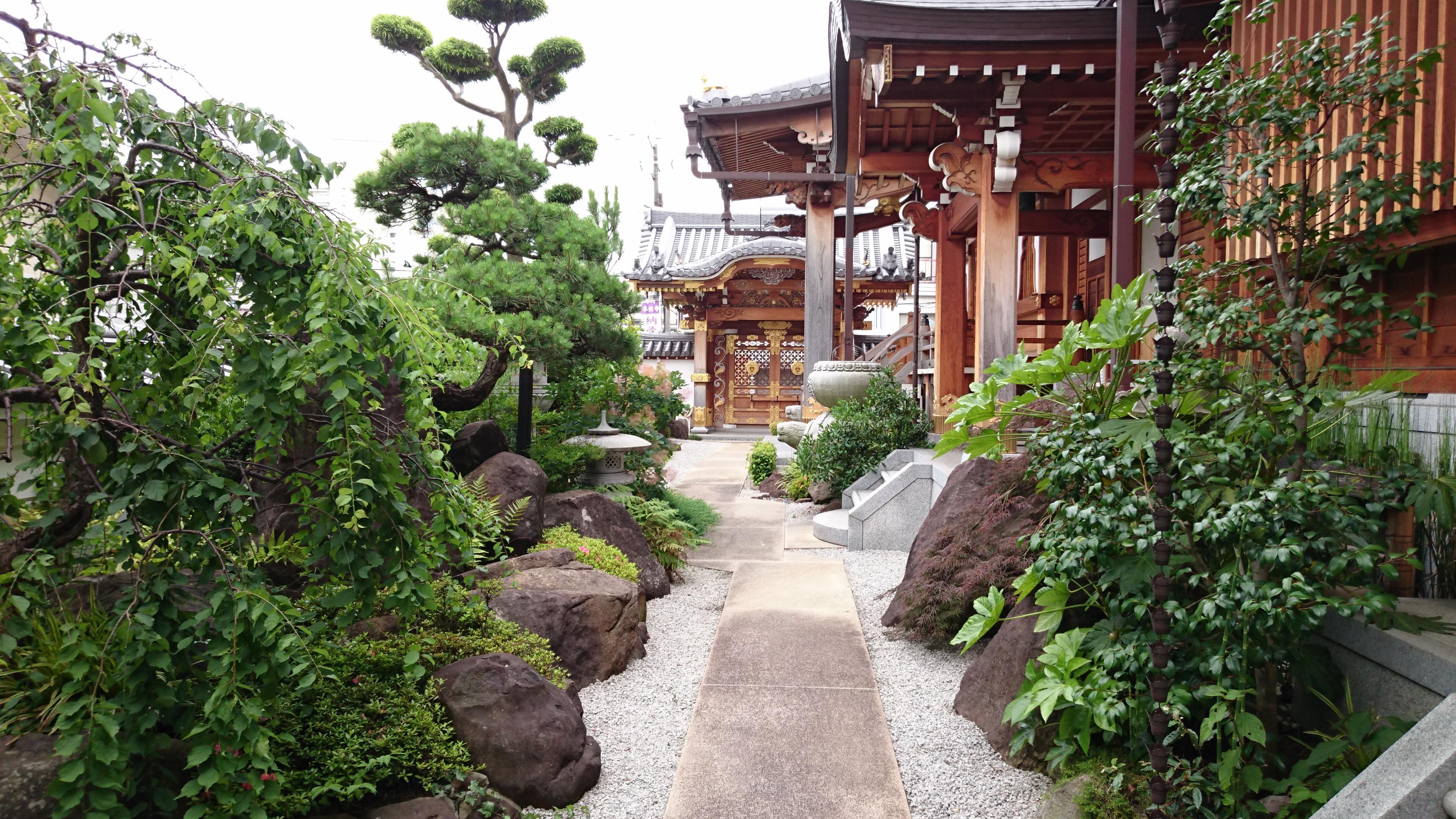 本性寺の庭園