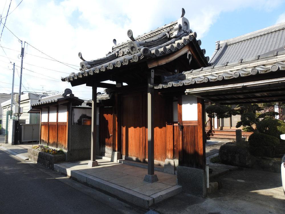 専光寺の山門