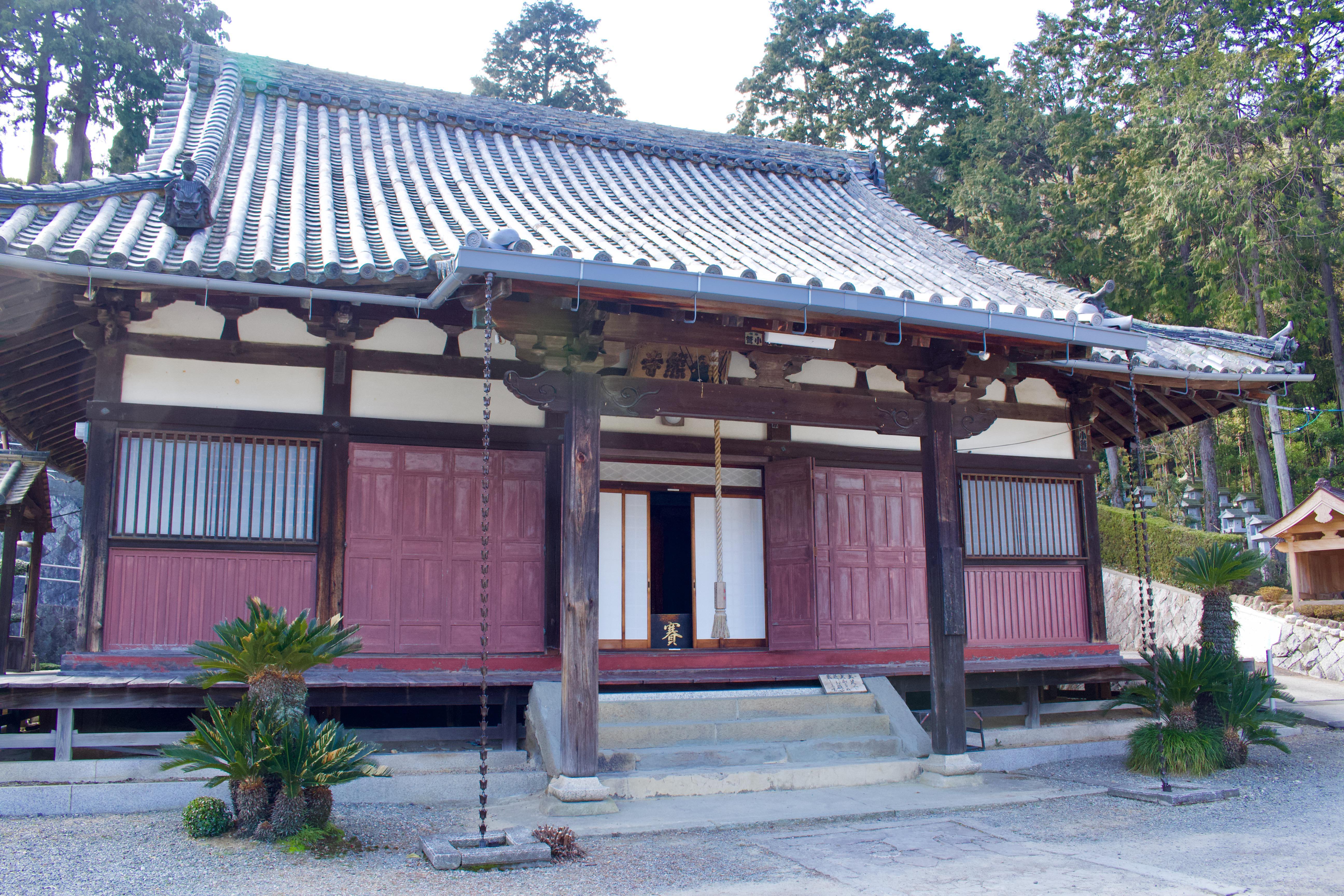 金熊寺の本殿