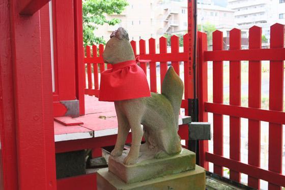 御殿稲荷神社の狛犬