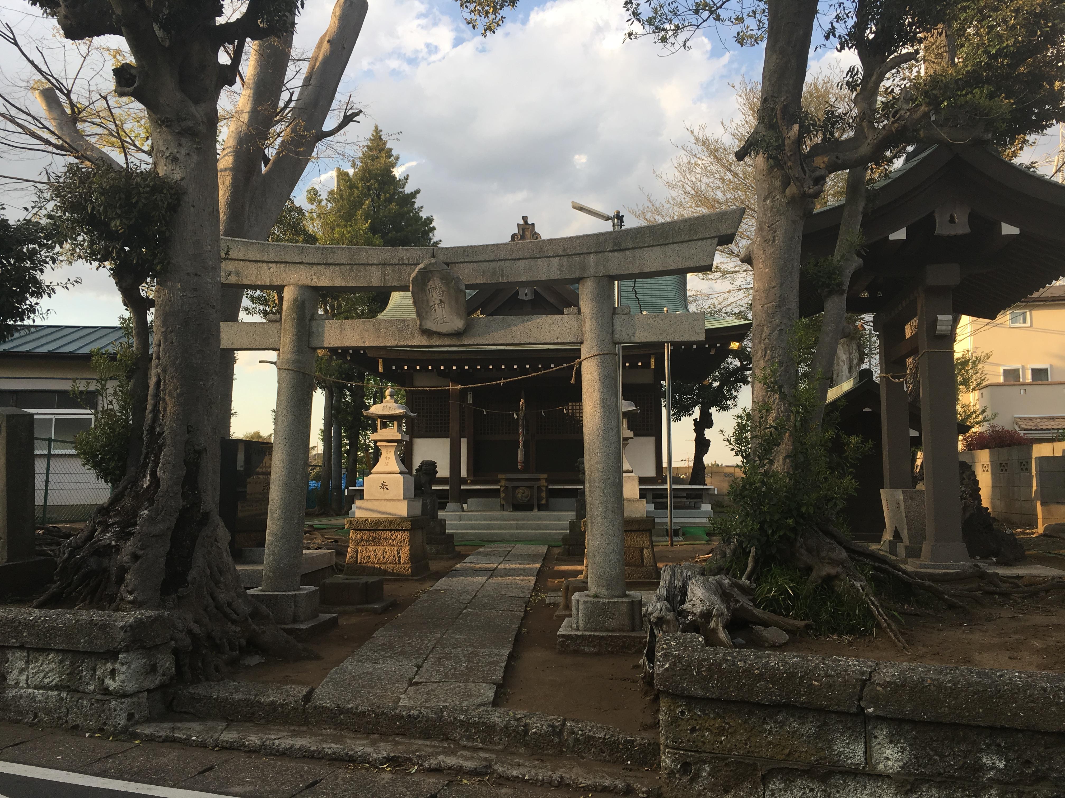 八幡神社の鳥居(千葉県塚田駅)