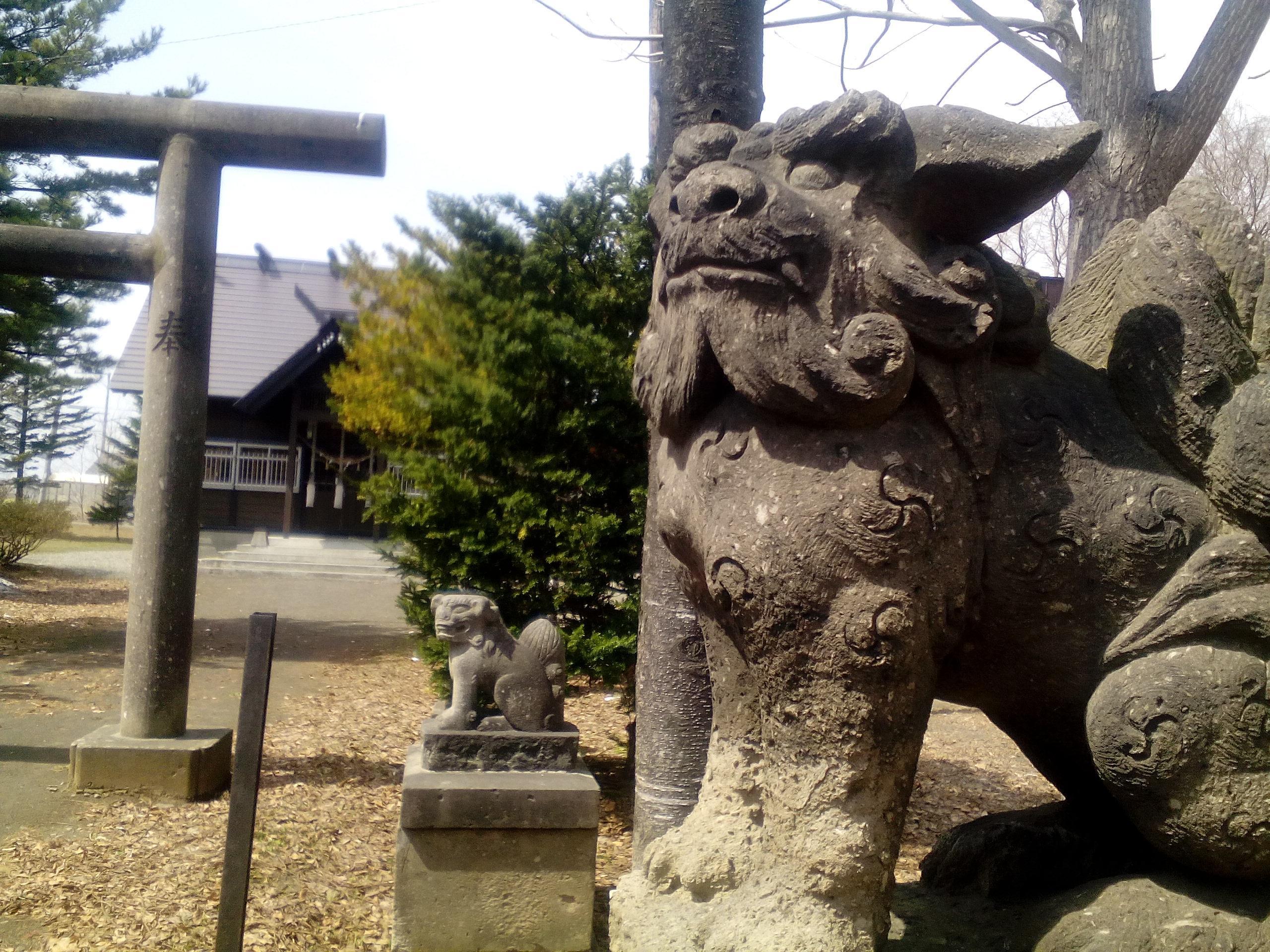 花畔神社の境内・文化財