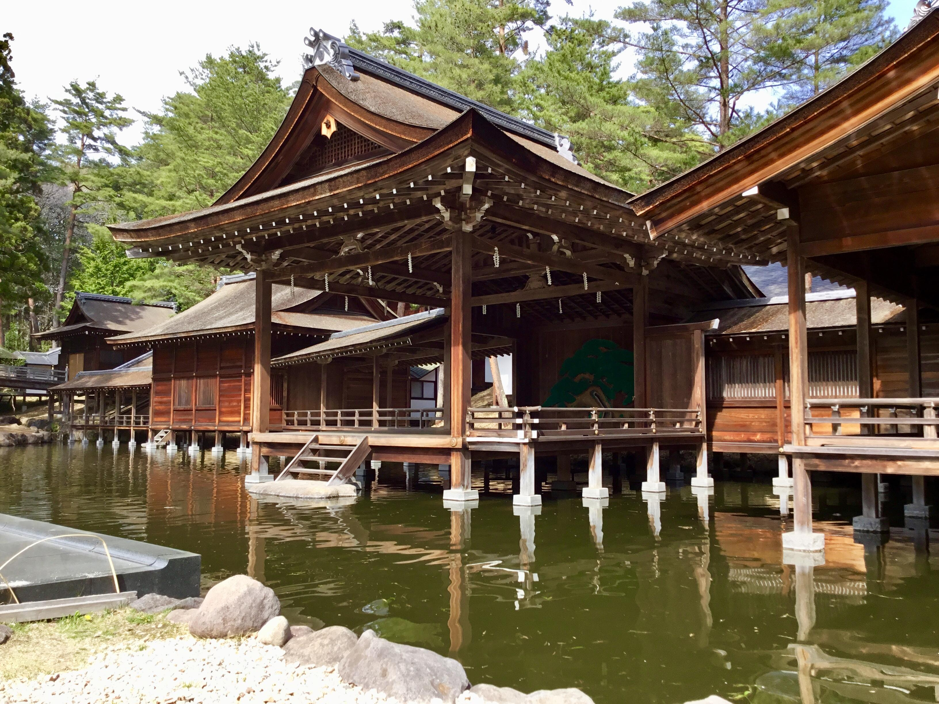 身曾岐神社の庭園