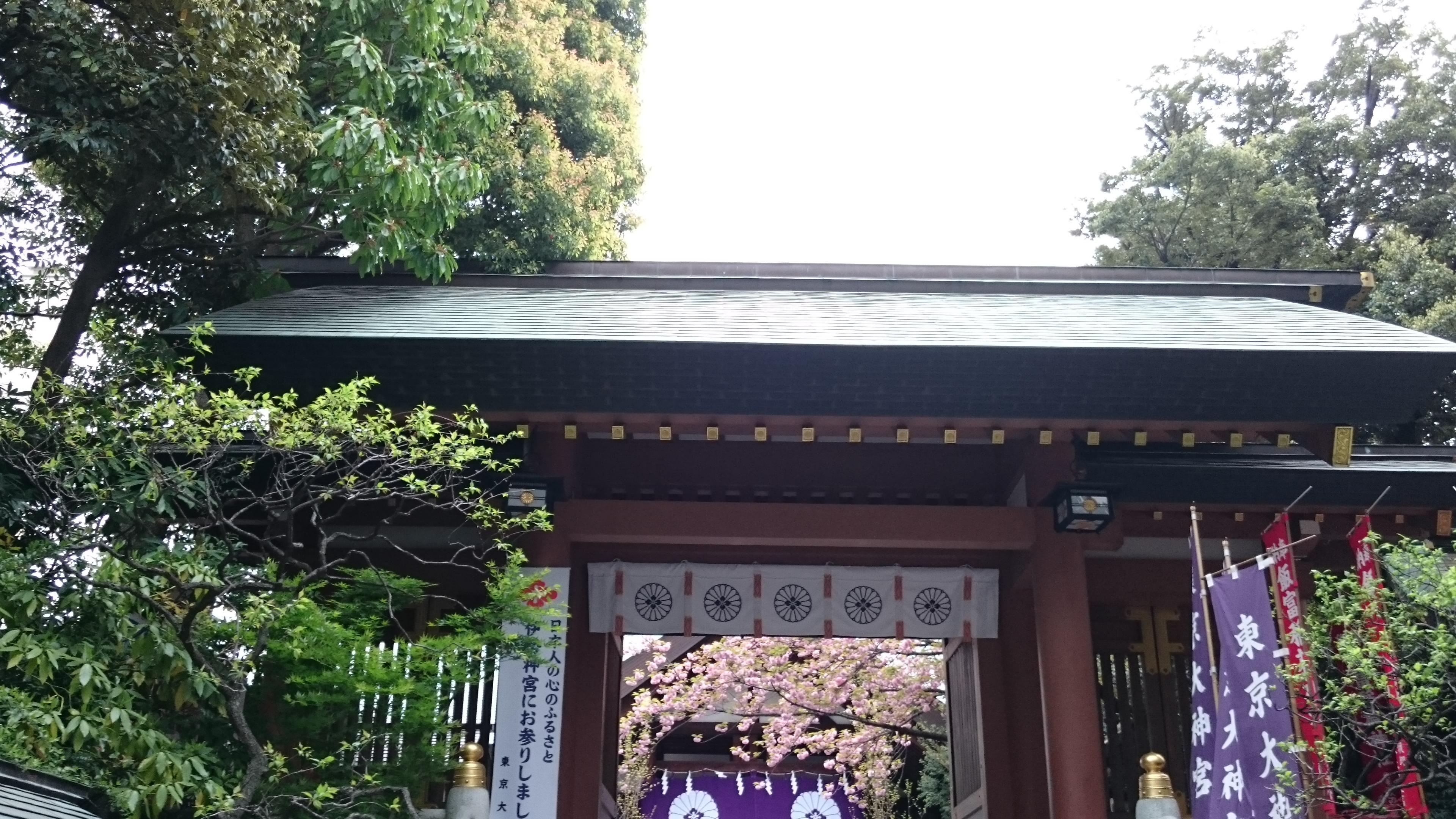 東京大神宮の山門