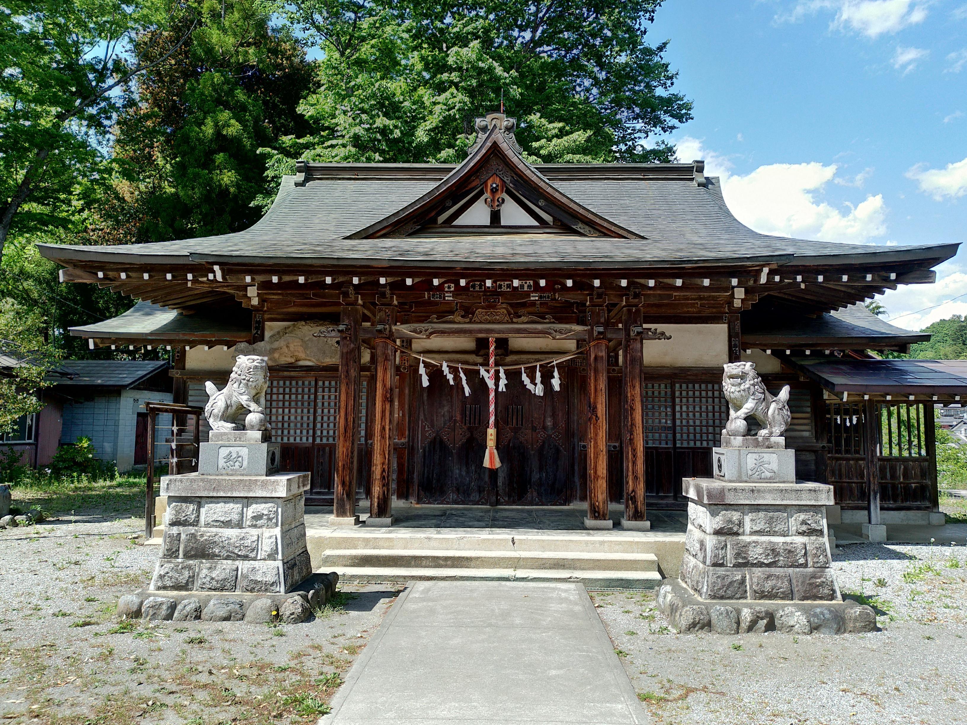 恒持神社の本殿