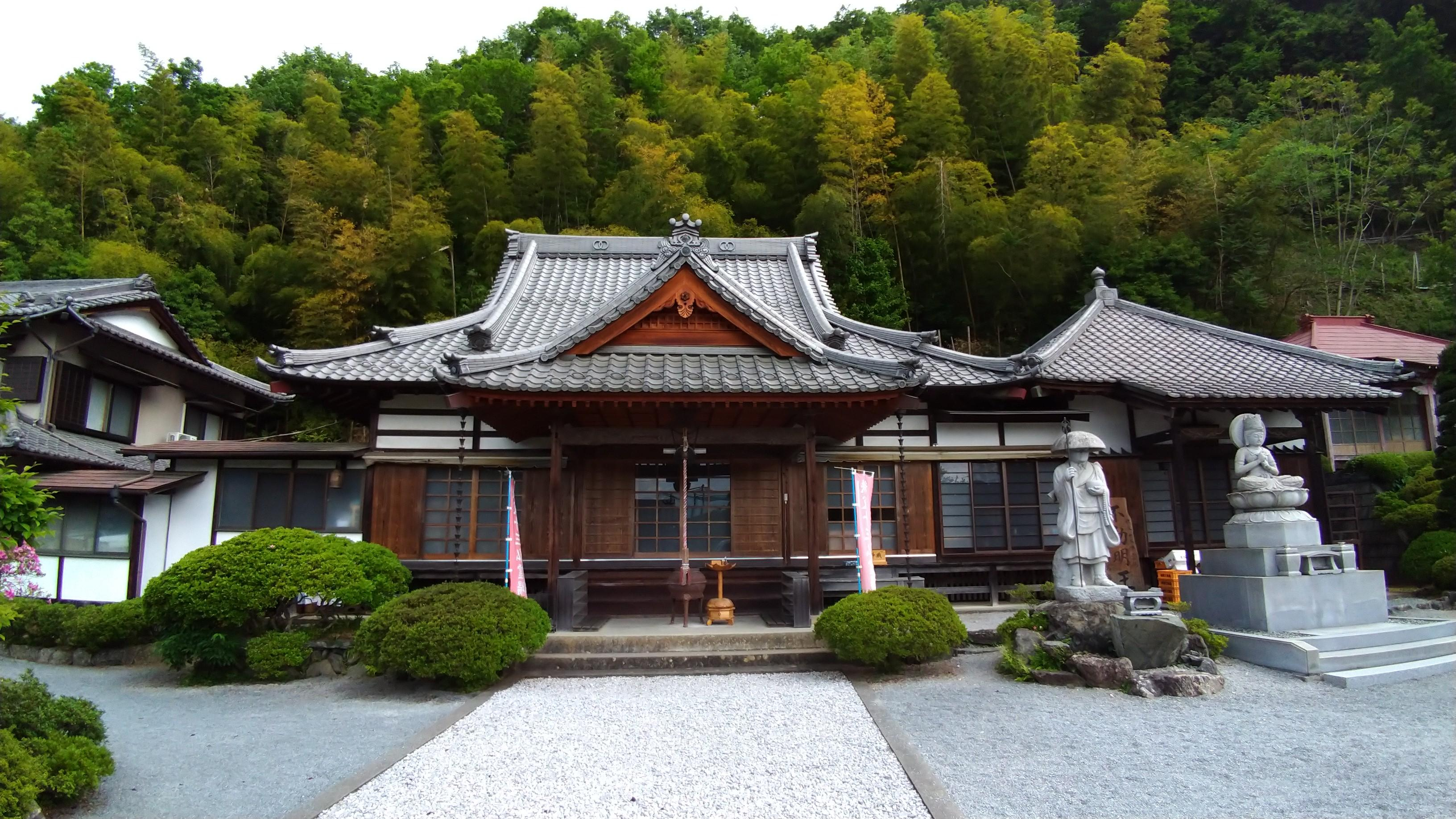 萬福寺の本殿