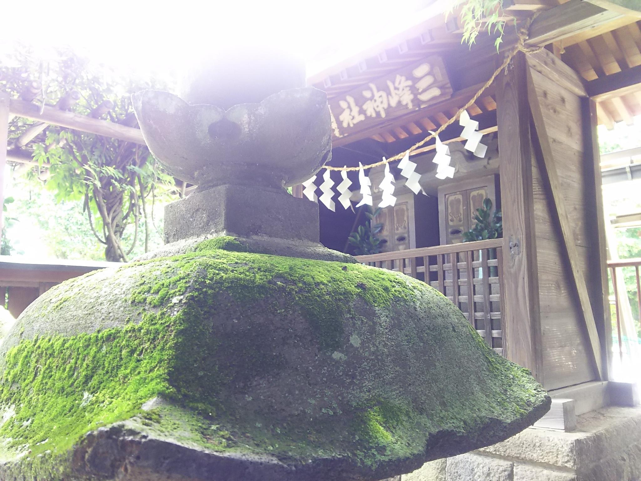 雪塚稲荷神社の建物その他