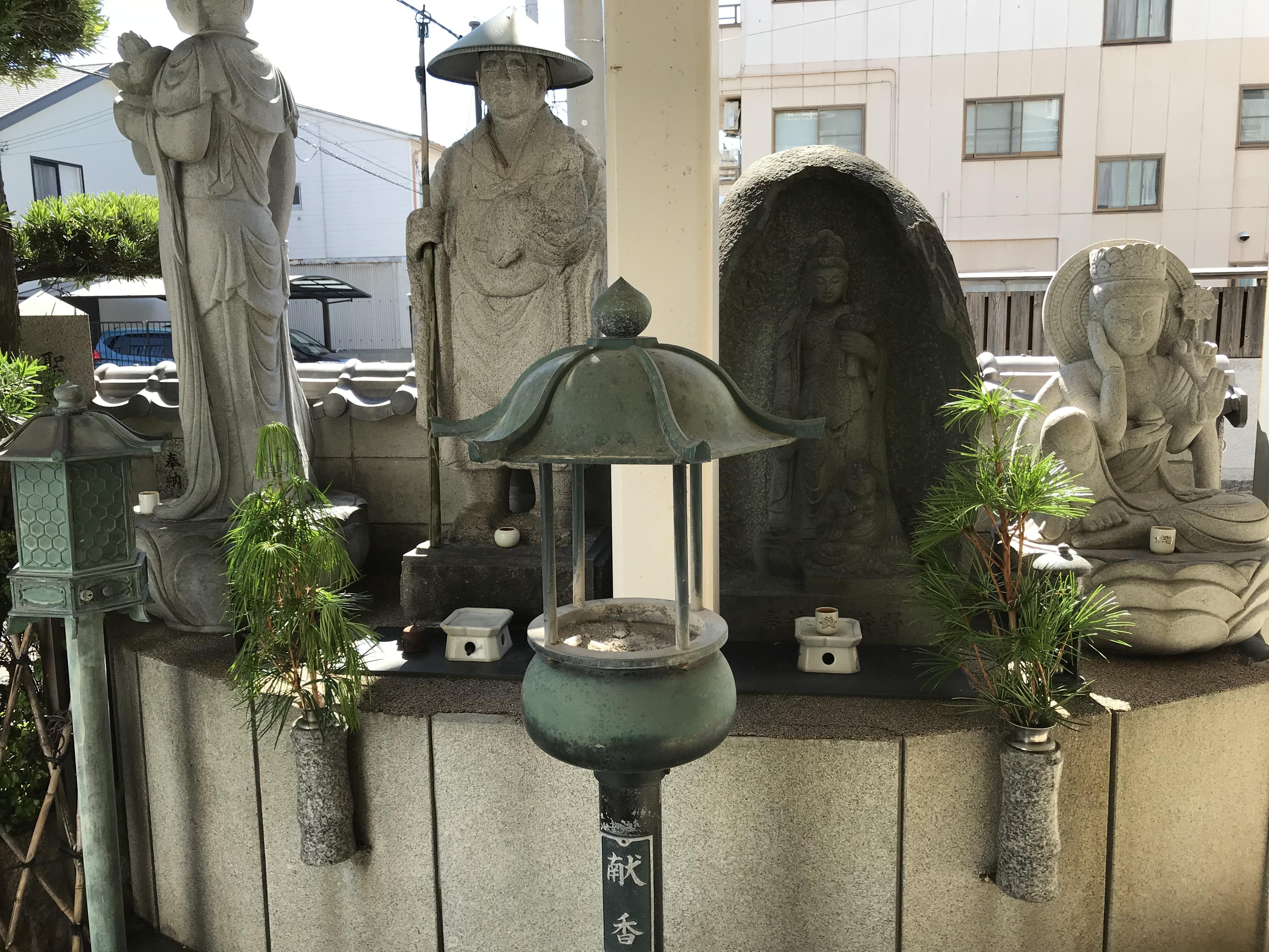 聖道寺の像