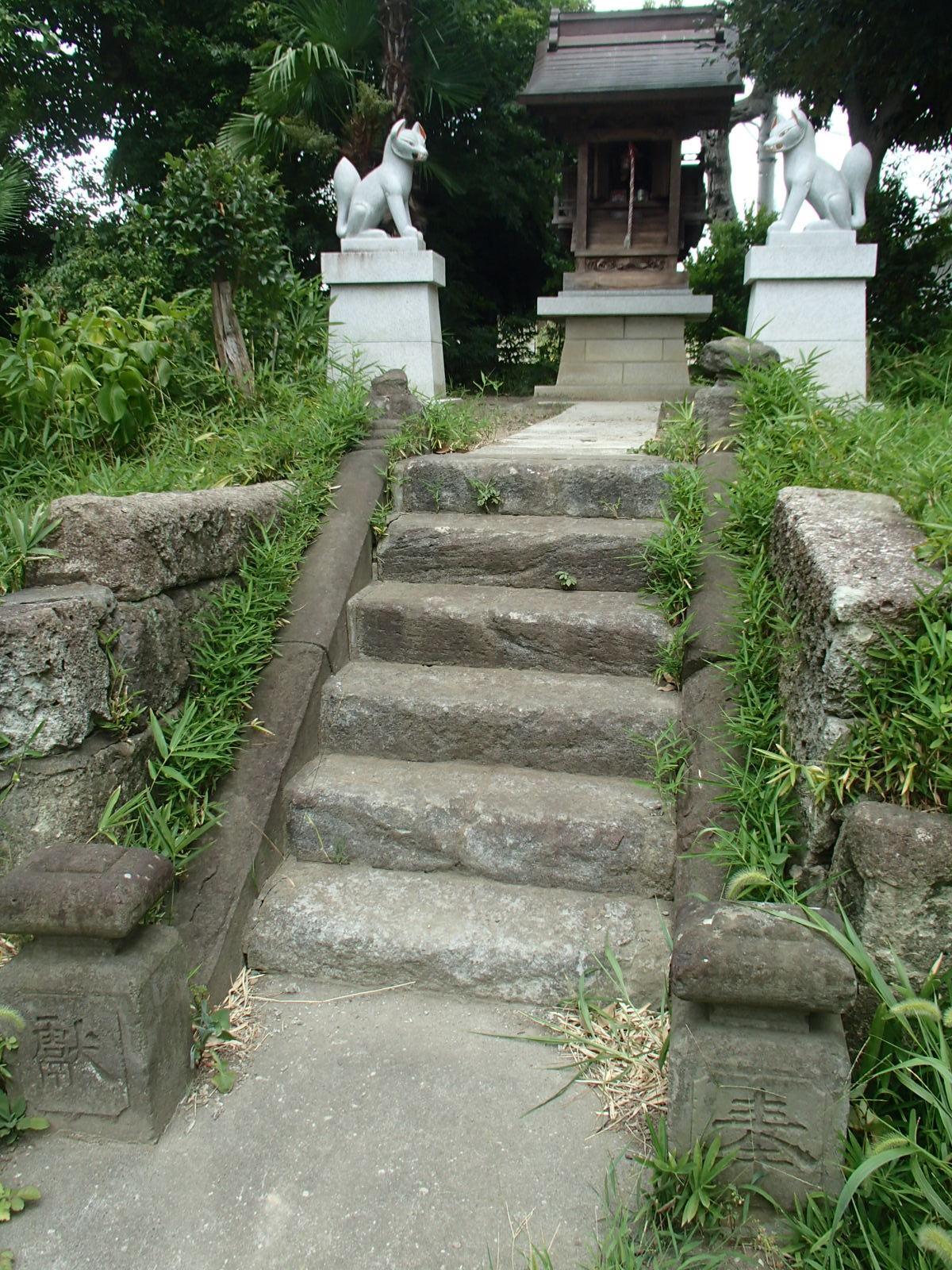 茅野稲荷神社の狛犬
