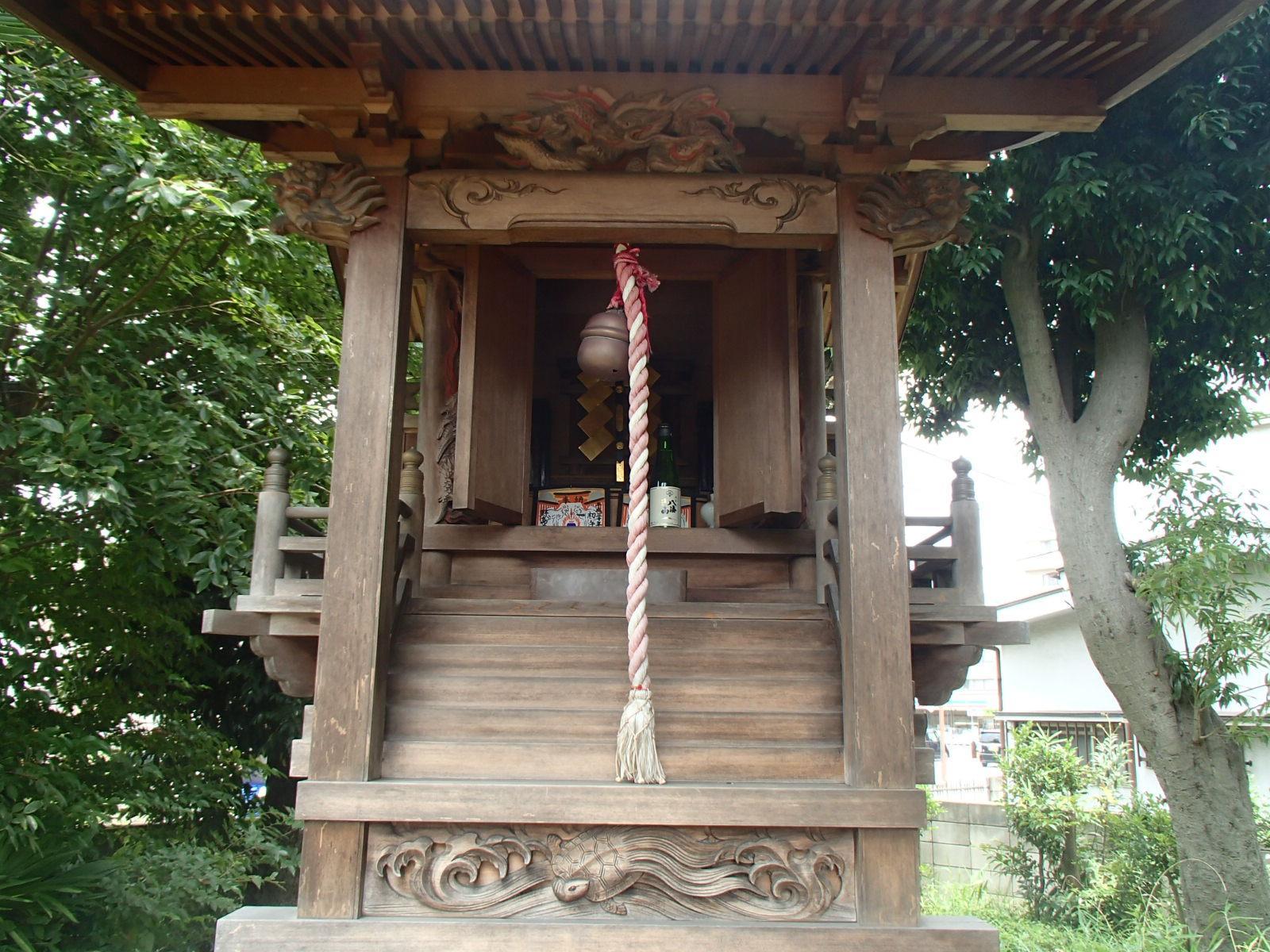 茅野稲荷神社の本殿