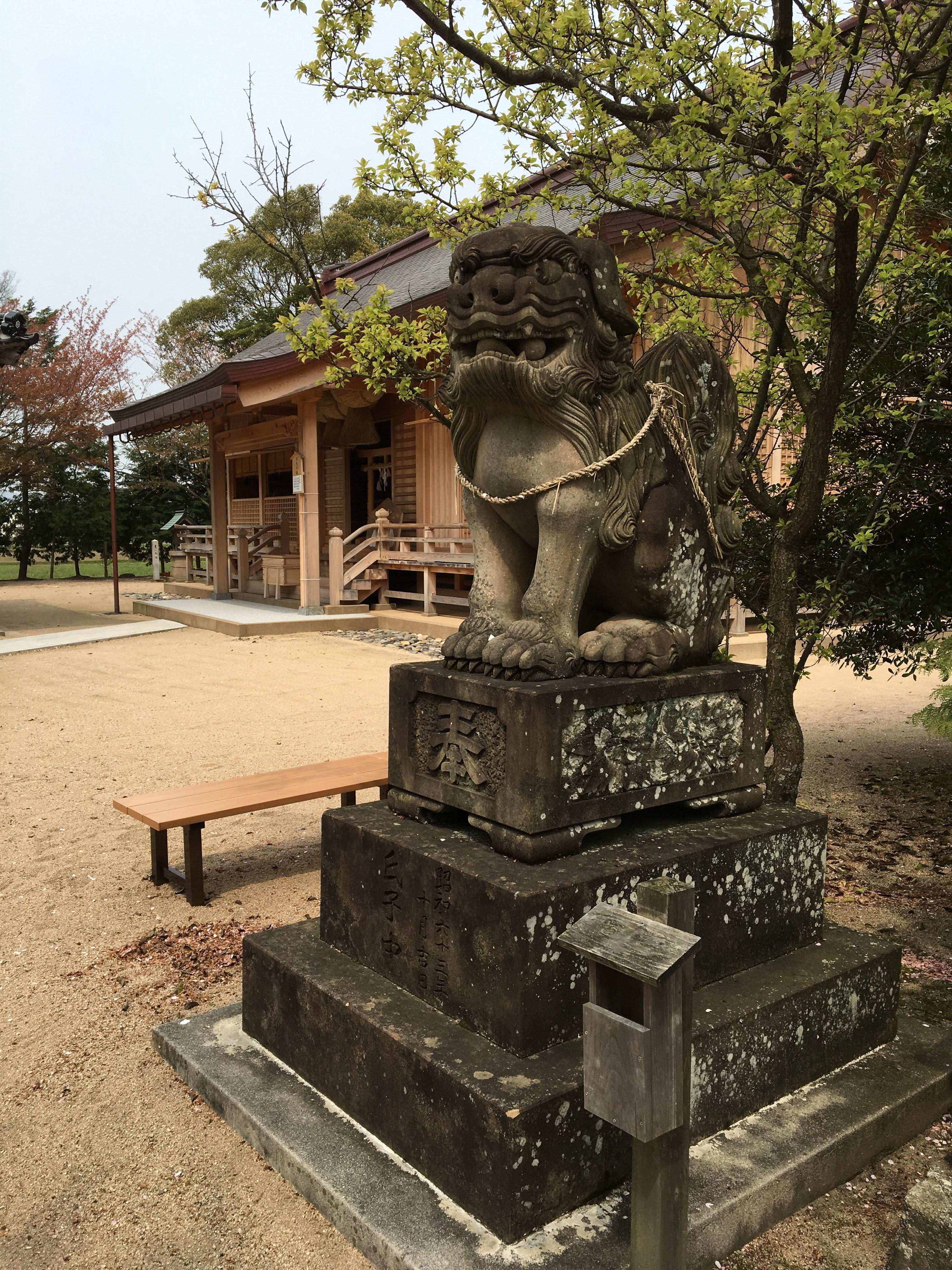 万九千神社の狛犬
