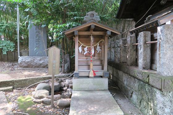 御霊神社の末社・摂社(東京都落合南長崎駅)