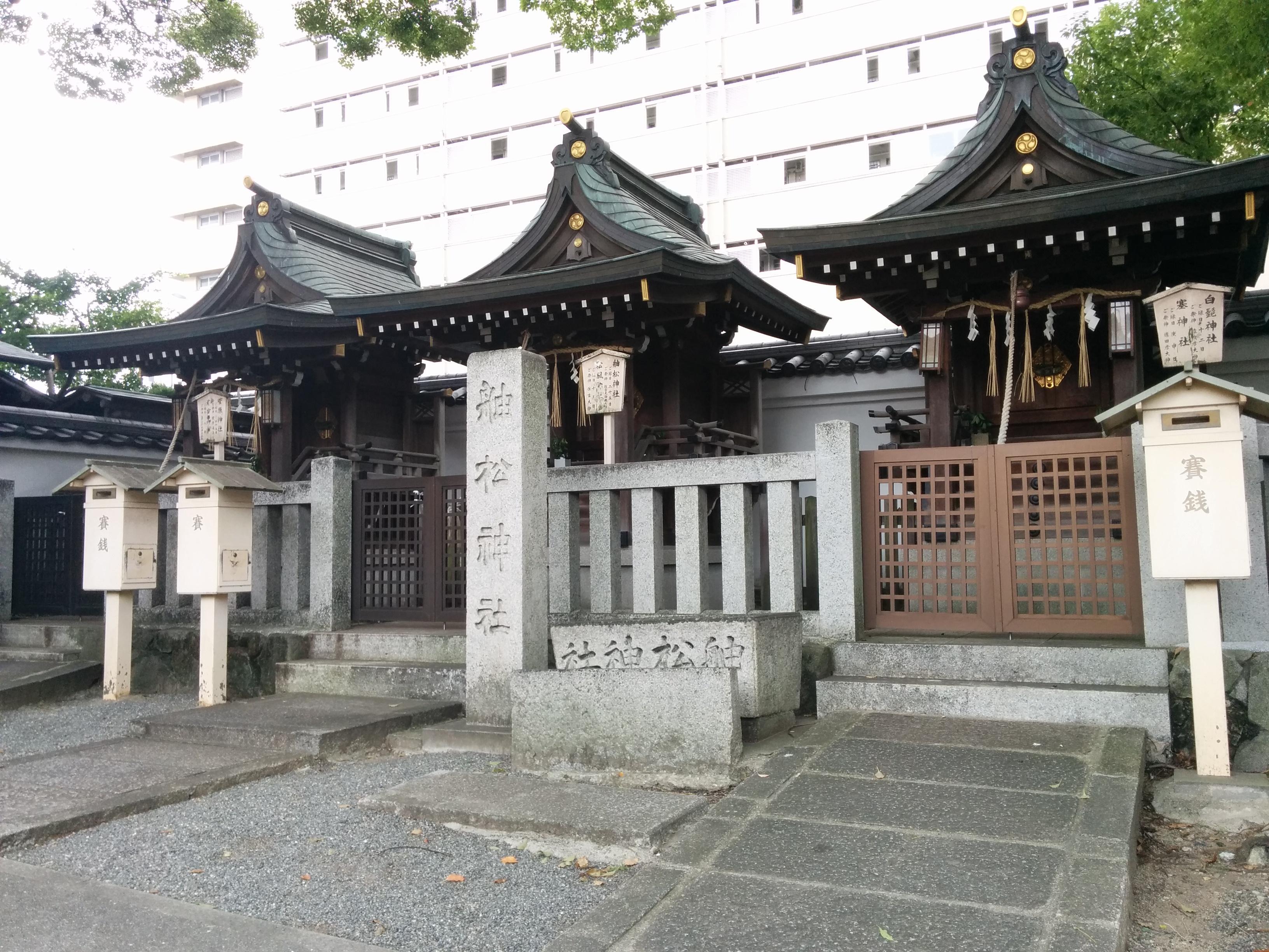 開口神社の末社