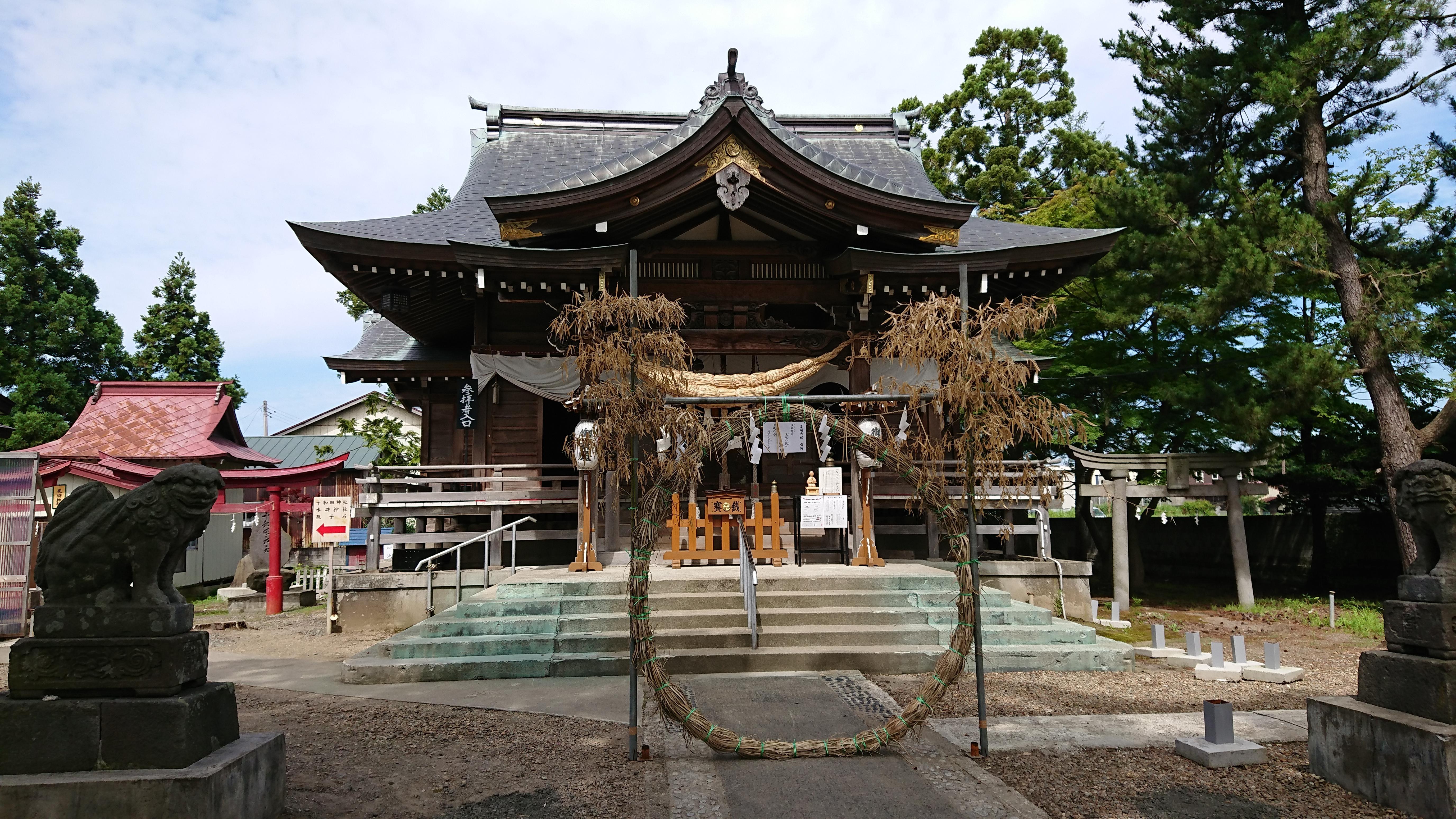 鶴田八幡宮の本殿