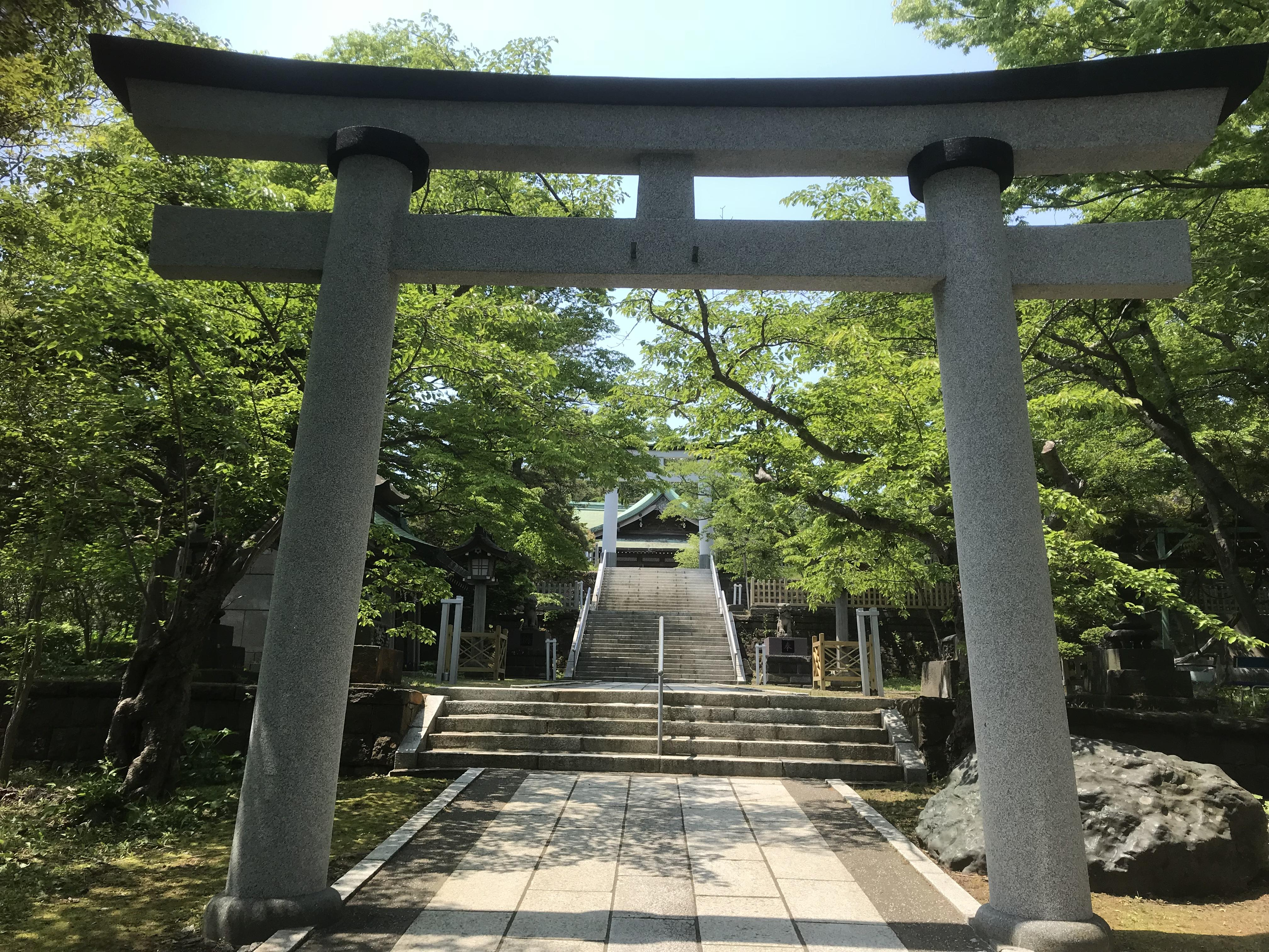 室蘭八幡宮の鳥居(北海道室蘭駅)
