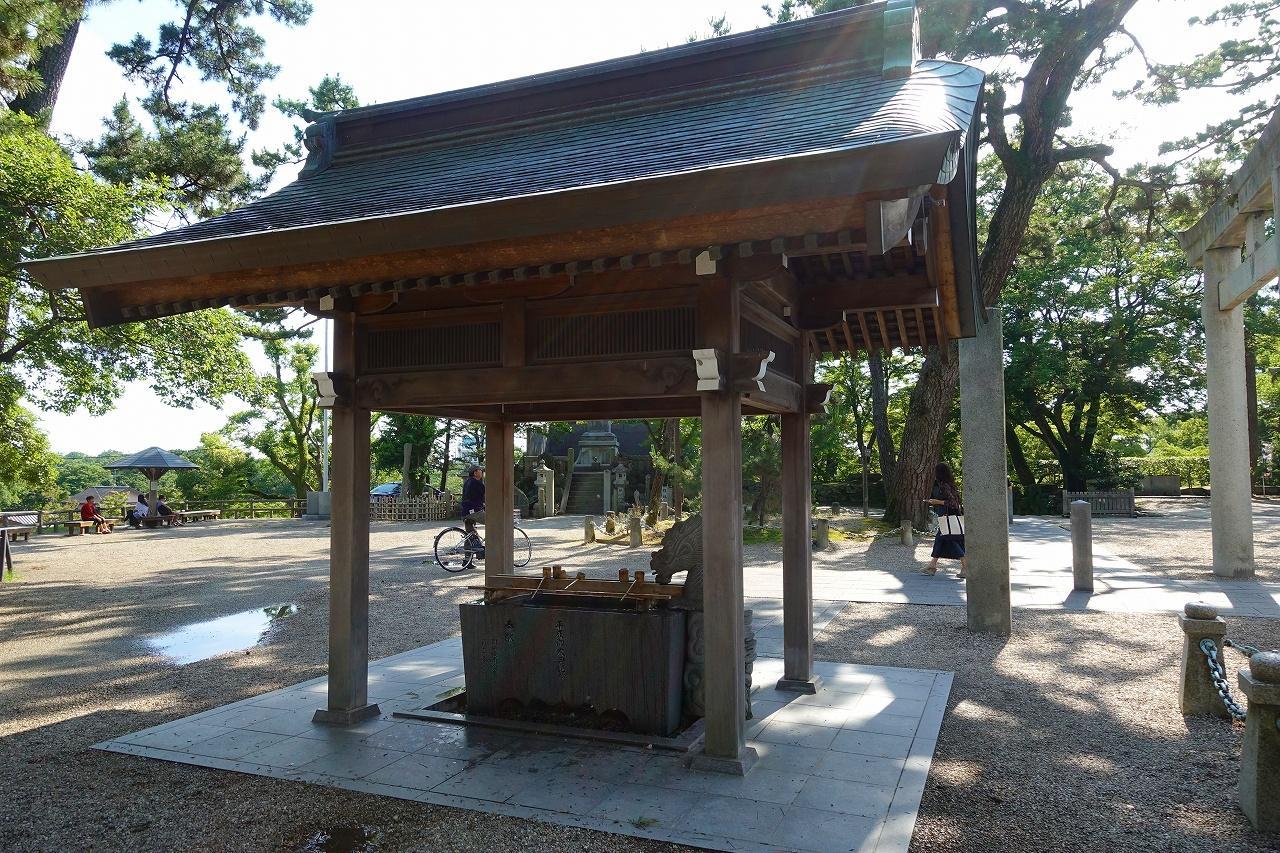 龍城神社の手水