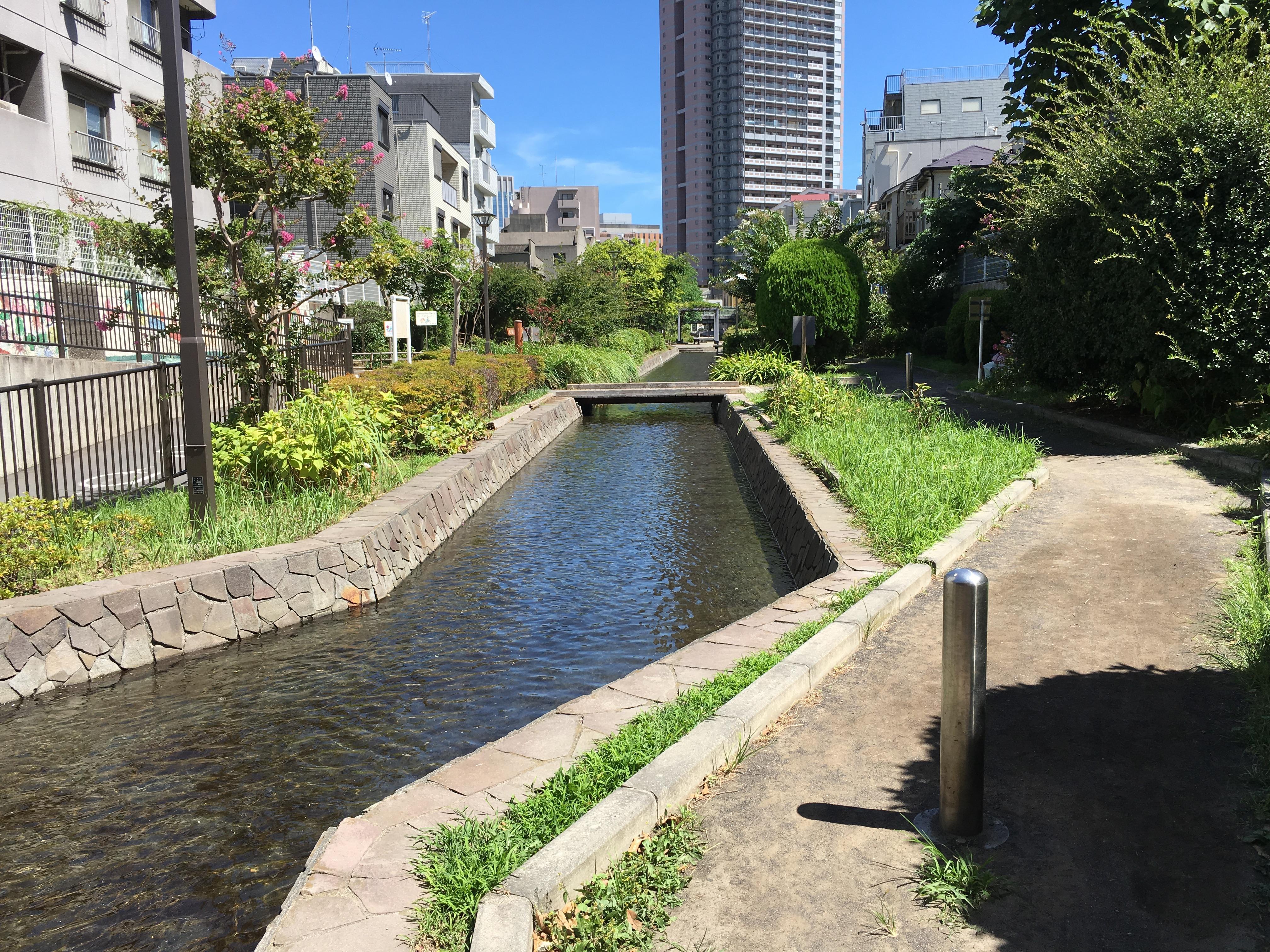 二社神社の周辺(東京都門前仲町駅)