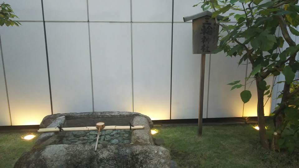 ギンザコマツ三輪神社の手水