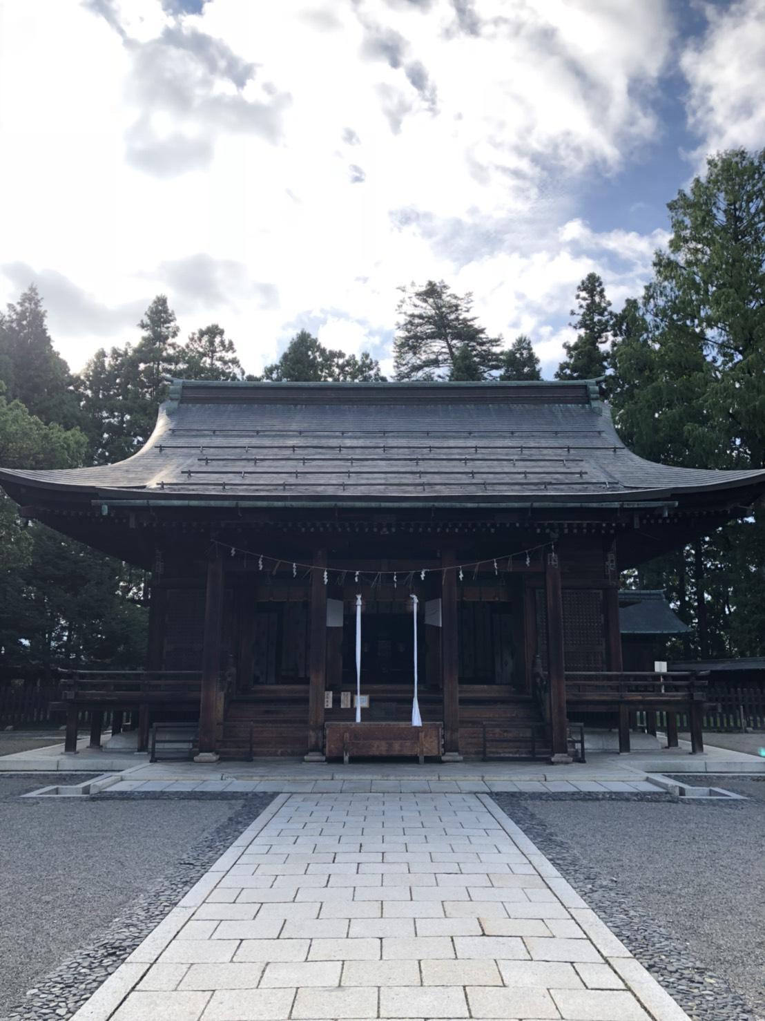 上杉神社の本殿