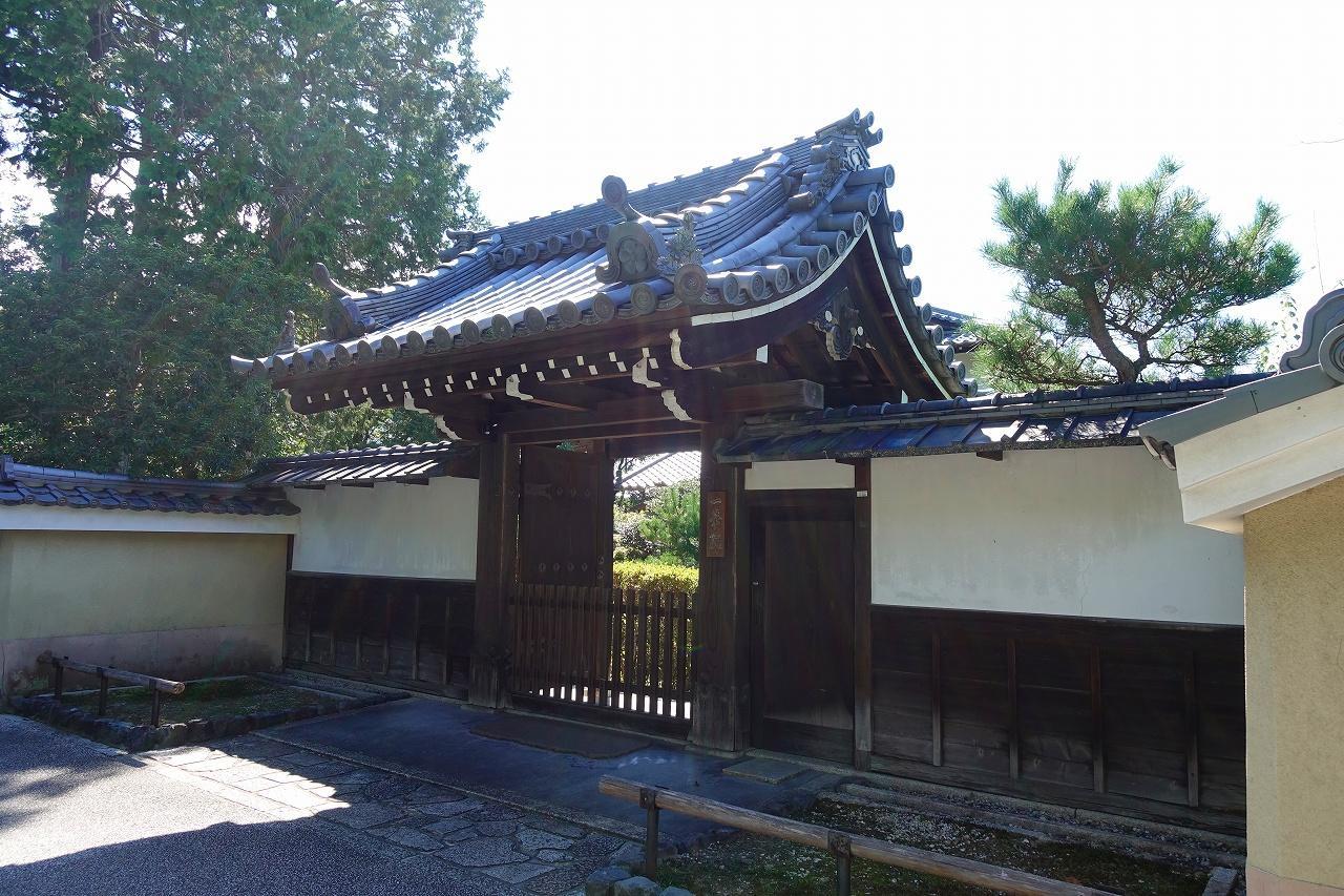 一華院の山門