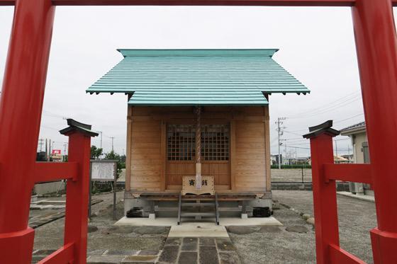 高畑稲荷社の本殿