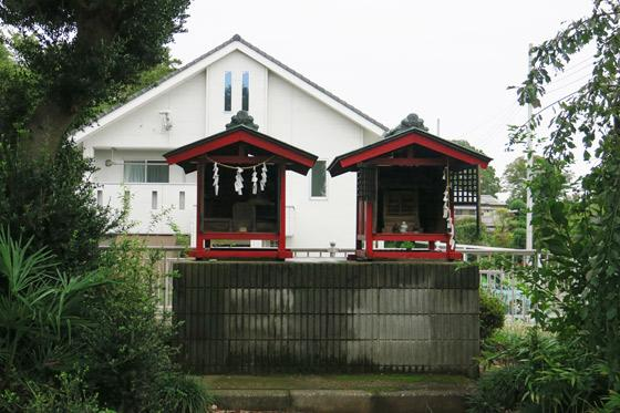 下野田稲荷神社の末社