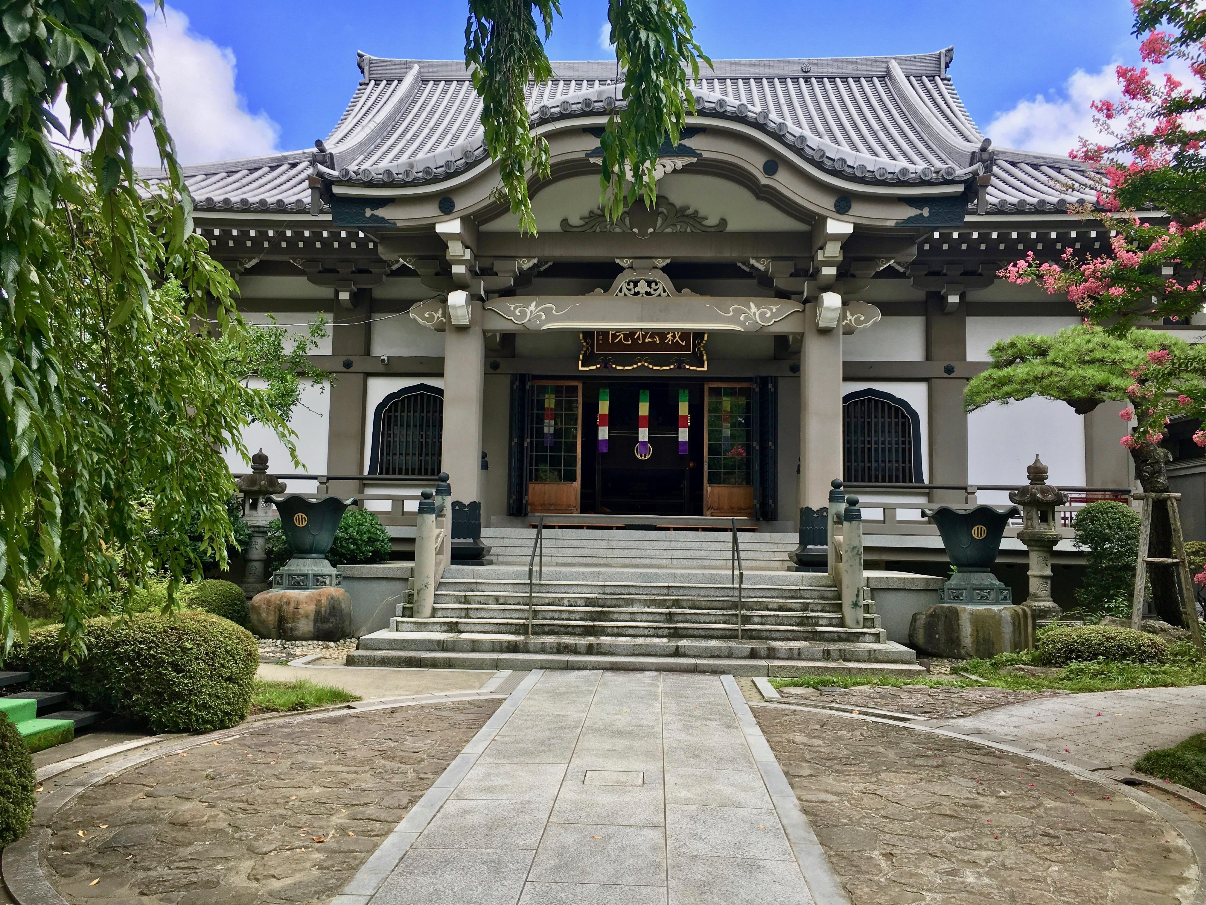 栽松院の本殿