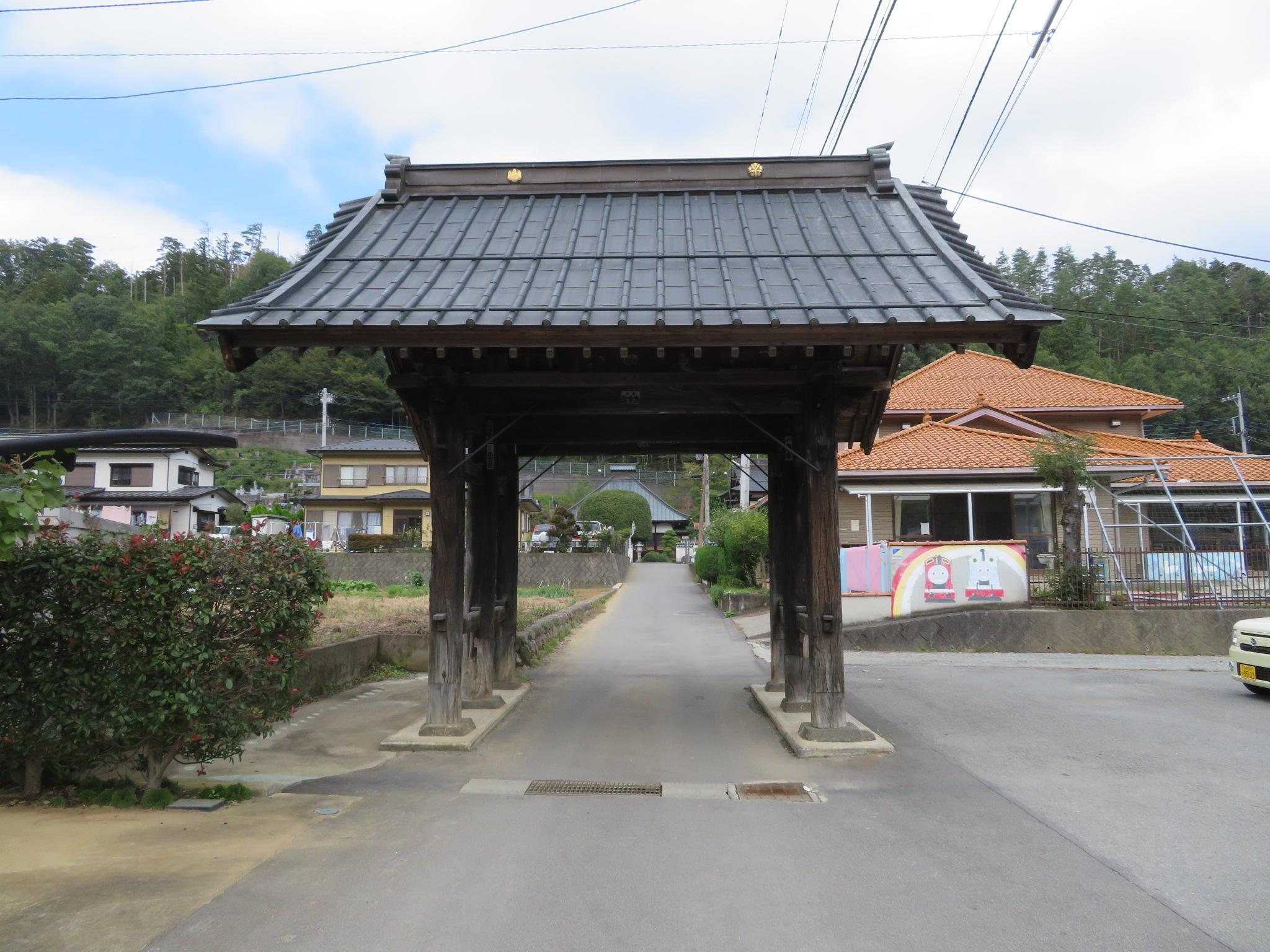 広教寺の山門