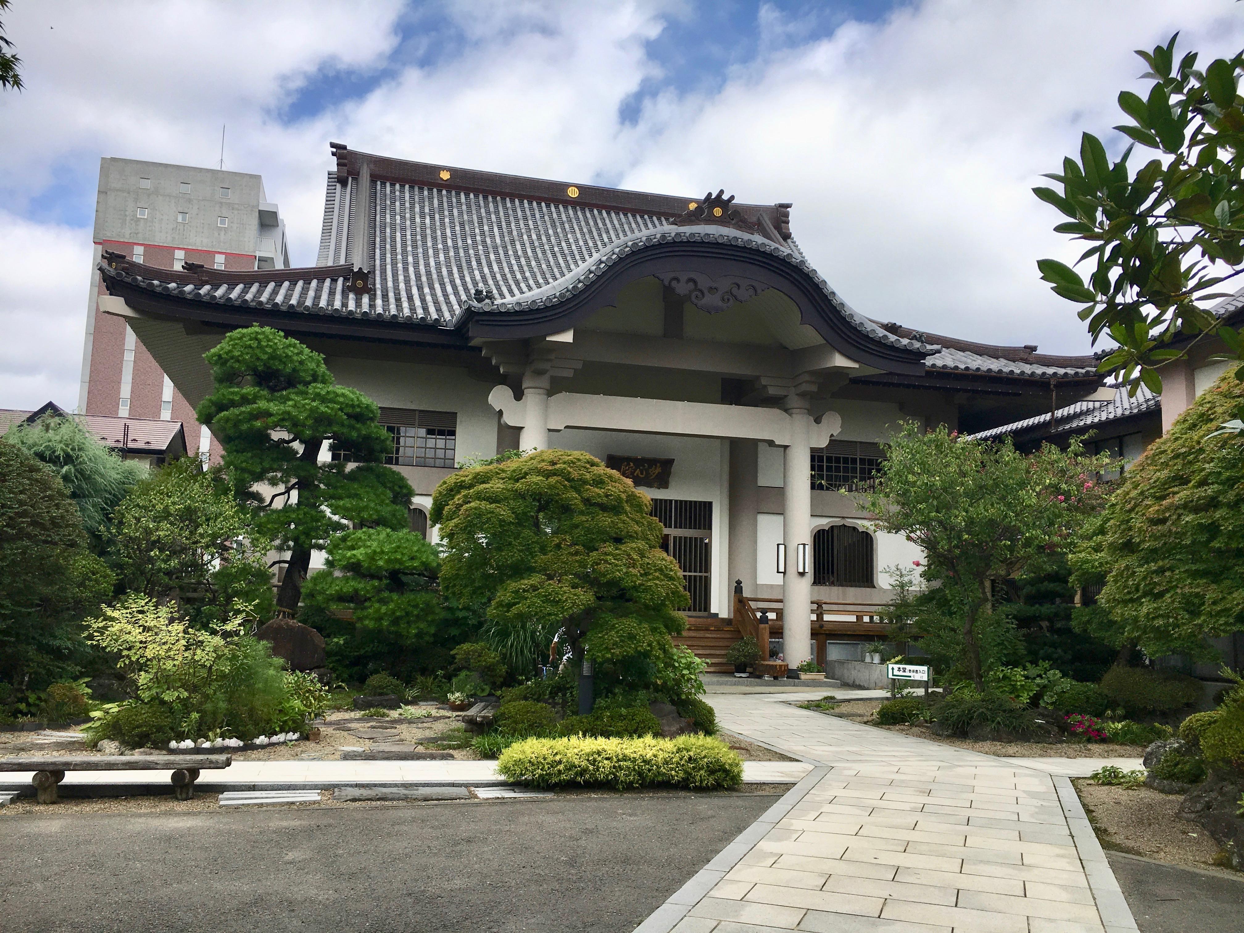 妙心院の本殿