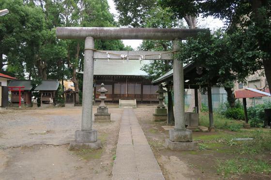 神明社の鳥居(埼玉県南浦和駅)