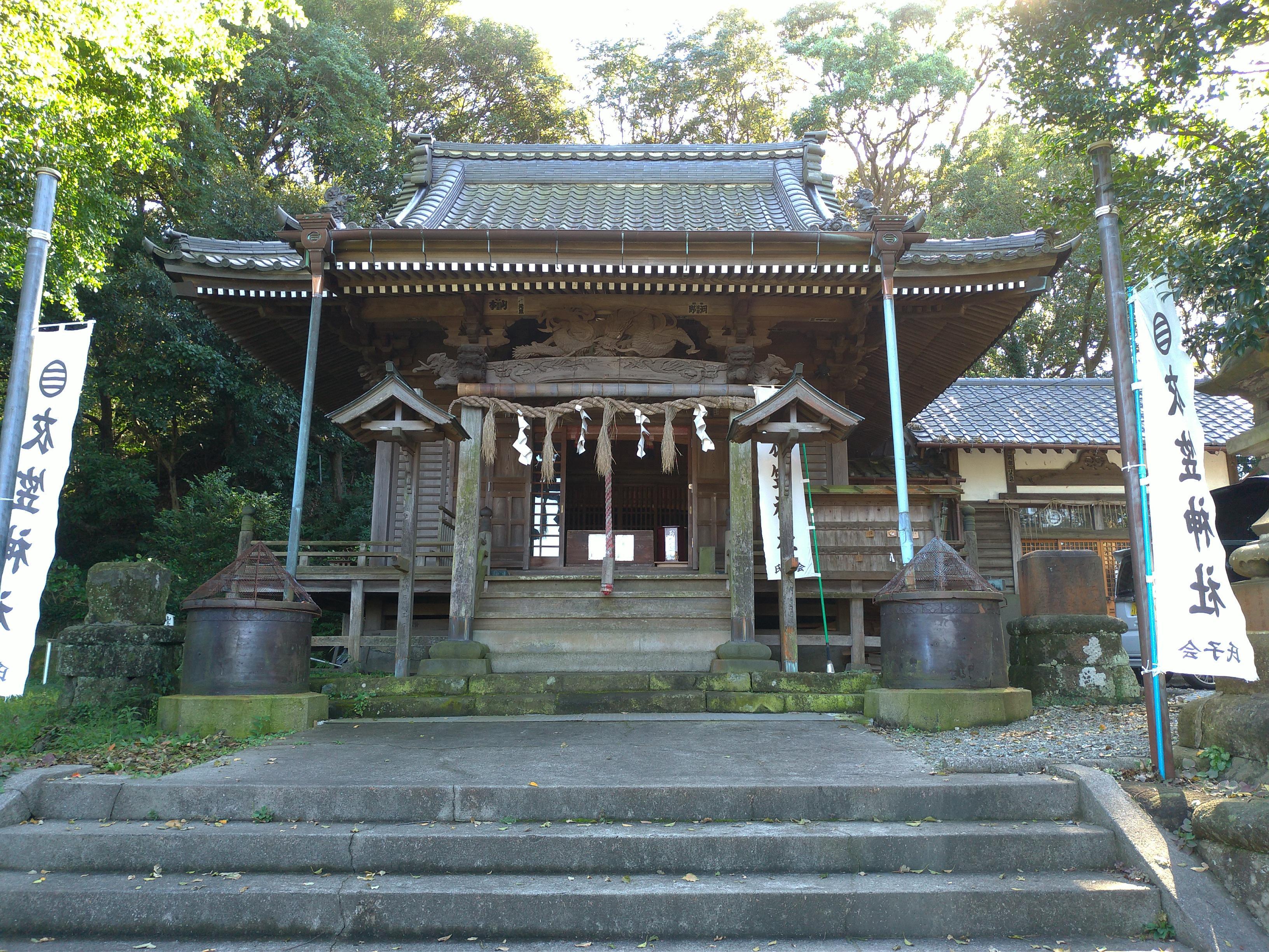 衣笠神社の本殿