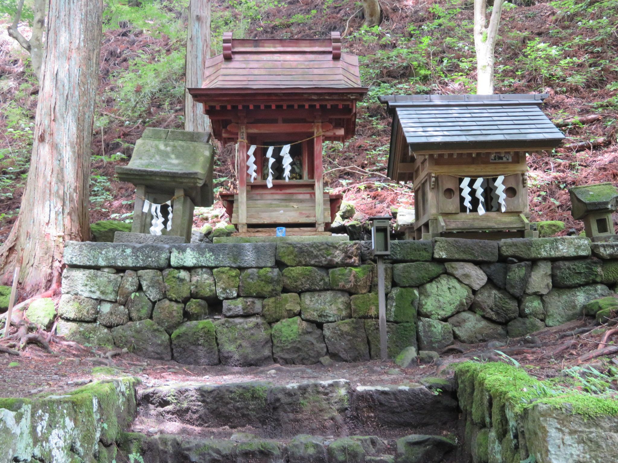 金櫻神社の末社