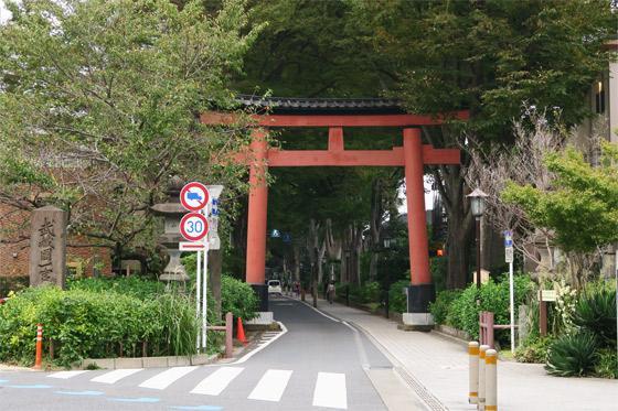 楢姫稲荷神社の鳥居