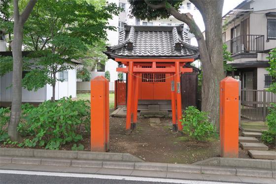 楢姫稲荷神社の本殿