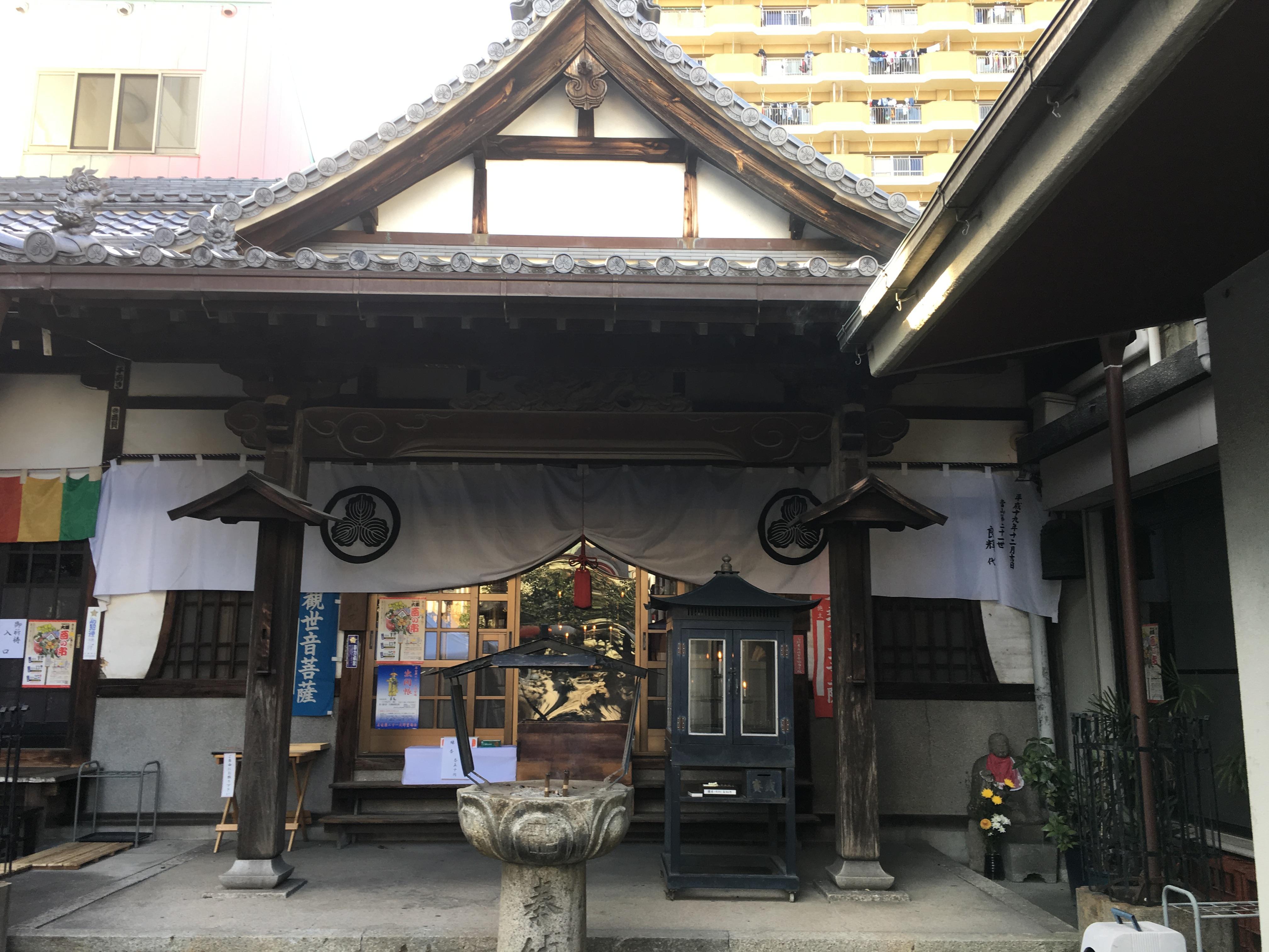 七寺の本殿