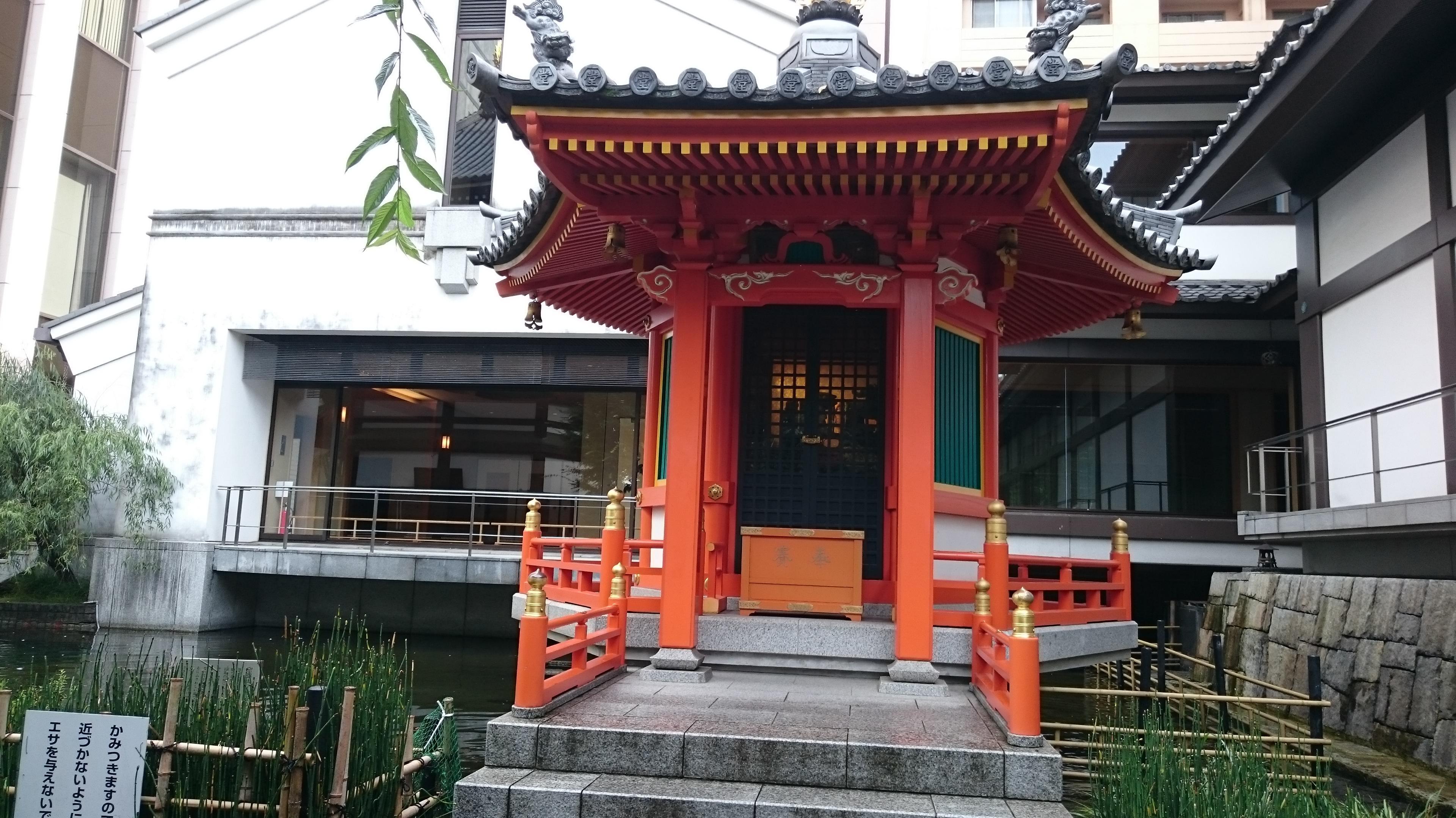 頂法寺(六角堂)の本殿(京都府烏丸御池駅)