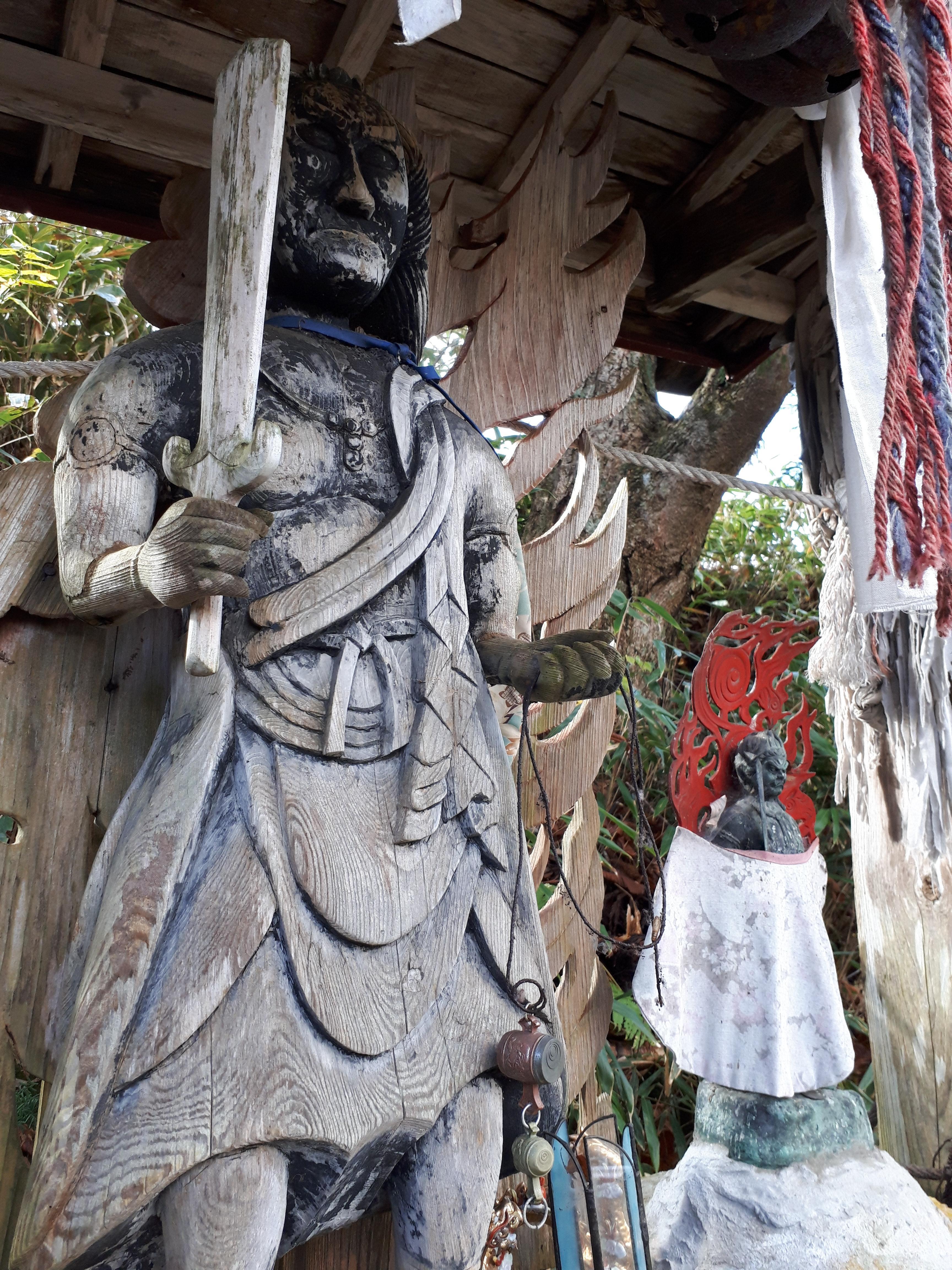 早池峯神社の仏像